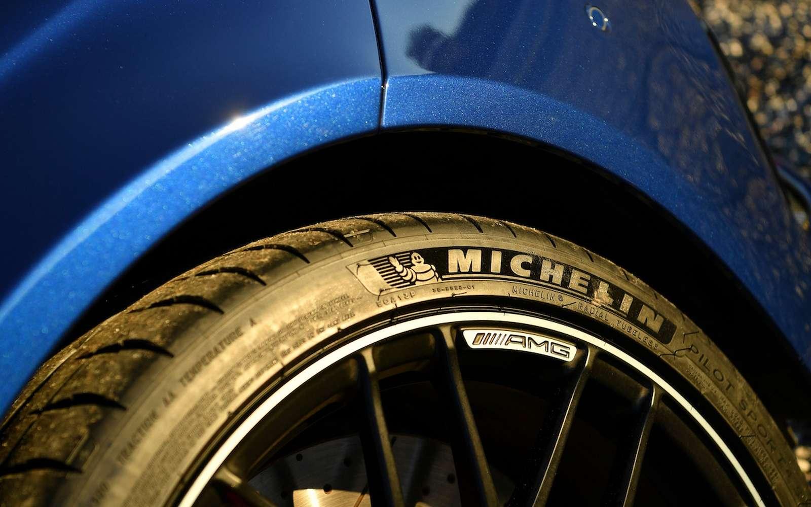 Michelin veut faire passer la proportion de matériaux pétrochimiques dans ses pneumatiques de 72 % aujourd'hui à 20 % en 2048. © Michelin