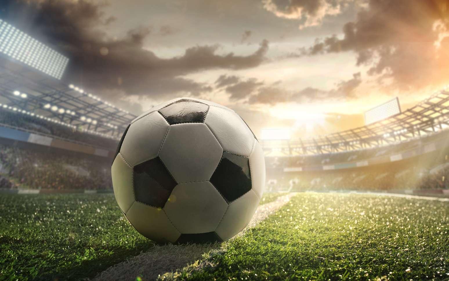 Quelle est la forme d'un ballon de football ? Est-il vraiment rond ? © vitaliy_melnik, fotolia