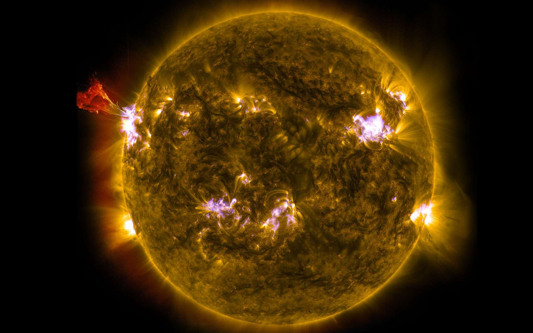 Le Soleil vu par Soho. APOD, 20/06/2004 Image prise par le satellite Soho.