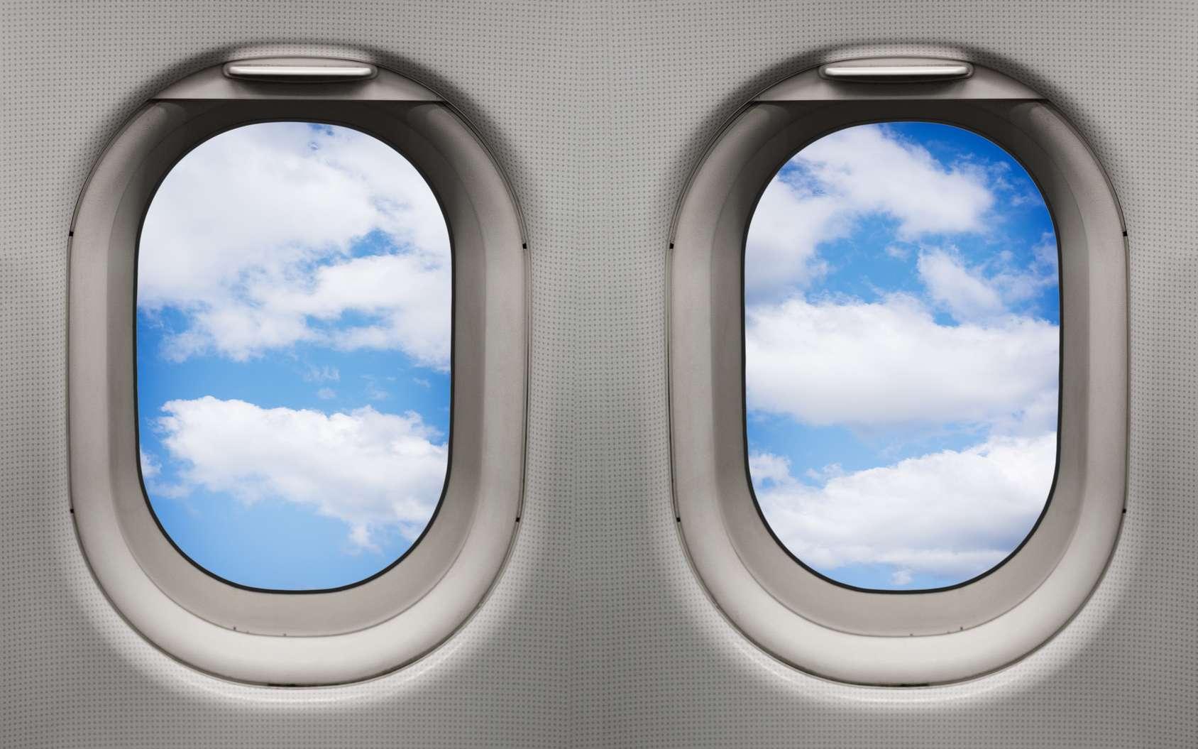 Les hublots des avions sont ronds, car c'est la forme la plus résistante aux pressions. © Stefano Garau, Fotolia