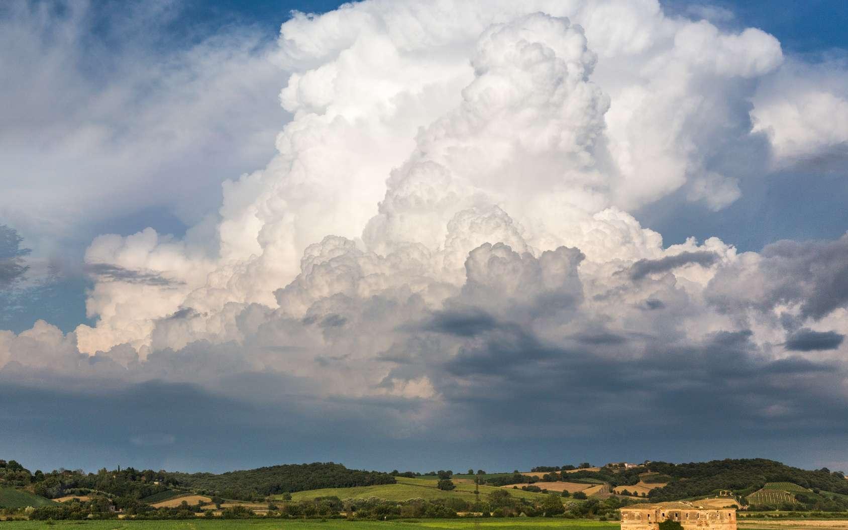 Les orages sont le résultat de mouvements de convection atmosphérique. En photo, un cumulonimbus. © Jayce, fotolia