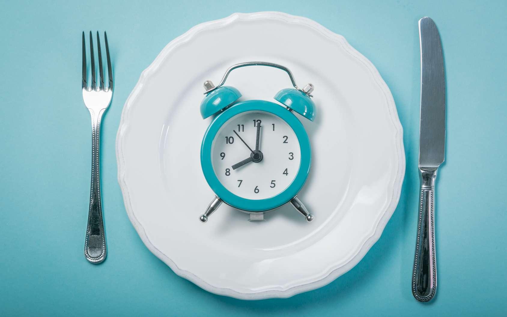 Chronutrition : à quelle heure le corps stocke-t-il le plus de calories ? © anaumenko, Fotolia