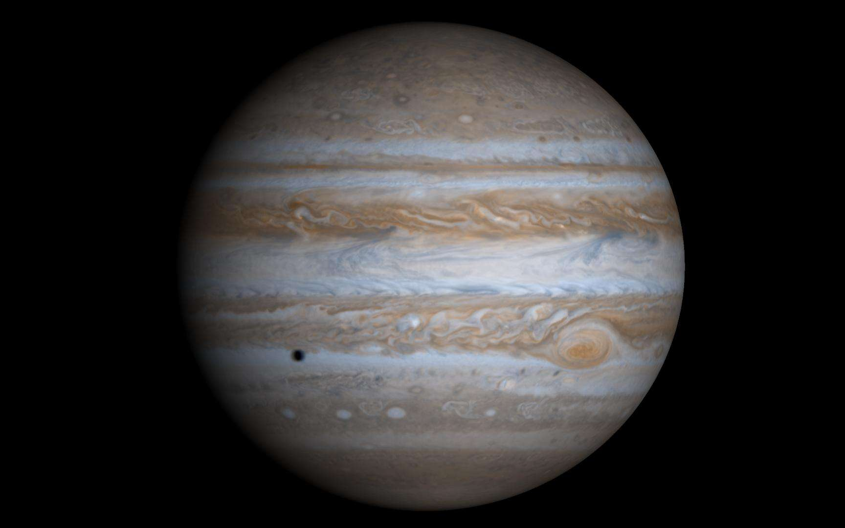 Une image réelle de Jupiter créée à partir de 4 photos prises par la sonde Cassini. Crédit : NASA/JPL/University of Arizona