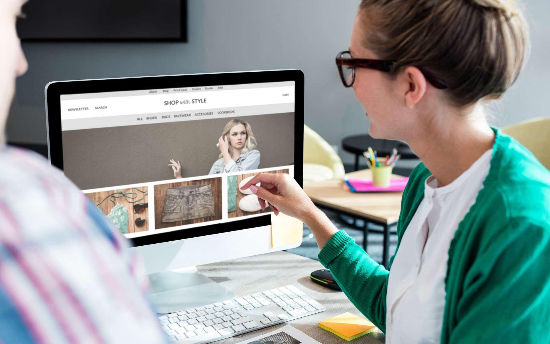 Le responsable e-commerce doit, pour faire progresser les ventes en ligne, s'assurer que le site internet de son entreprise répond aux besoins et au comportement de navigation du client. Il collabore notamment avec les développeurs et l'UX designer. © vectorfusionart, Adobe Stock.