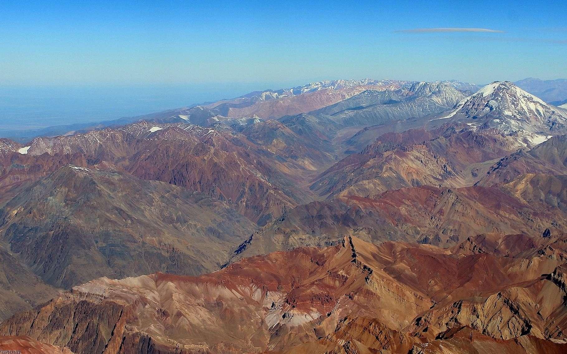 Des chercheurs français vont poser leur laboratoire dans la ville la plus haute du monde, dans la cordillère des Andes. Objectif : étudier les effets du manque d'oxygène sur la population locale. © 472619, Pixabay, CC0 Creative Commons