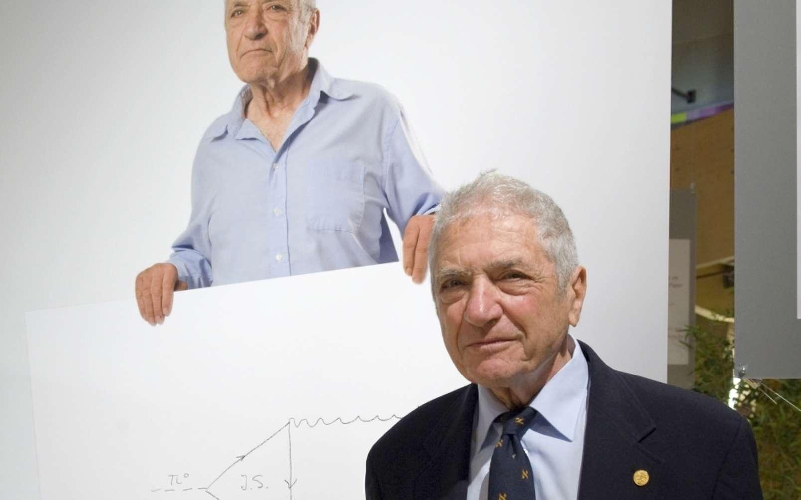 Jack Steinberger en 2008, photographié lors de l'exposition « Accelerating Nobel ». © Claudia Marcelloni, Cern