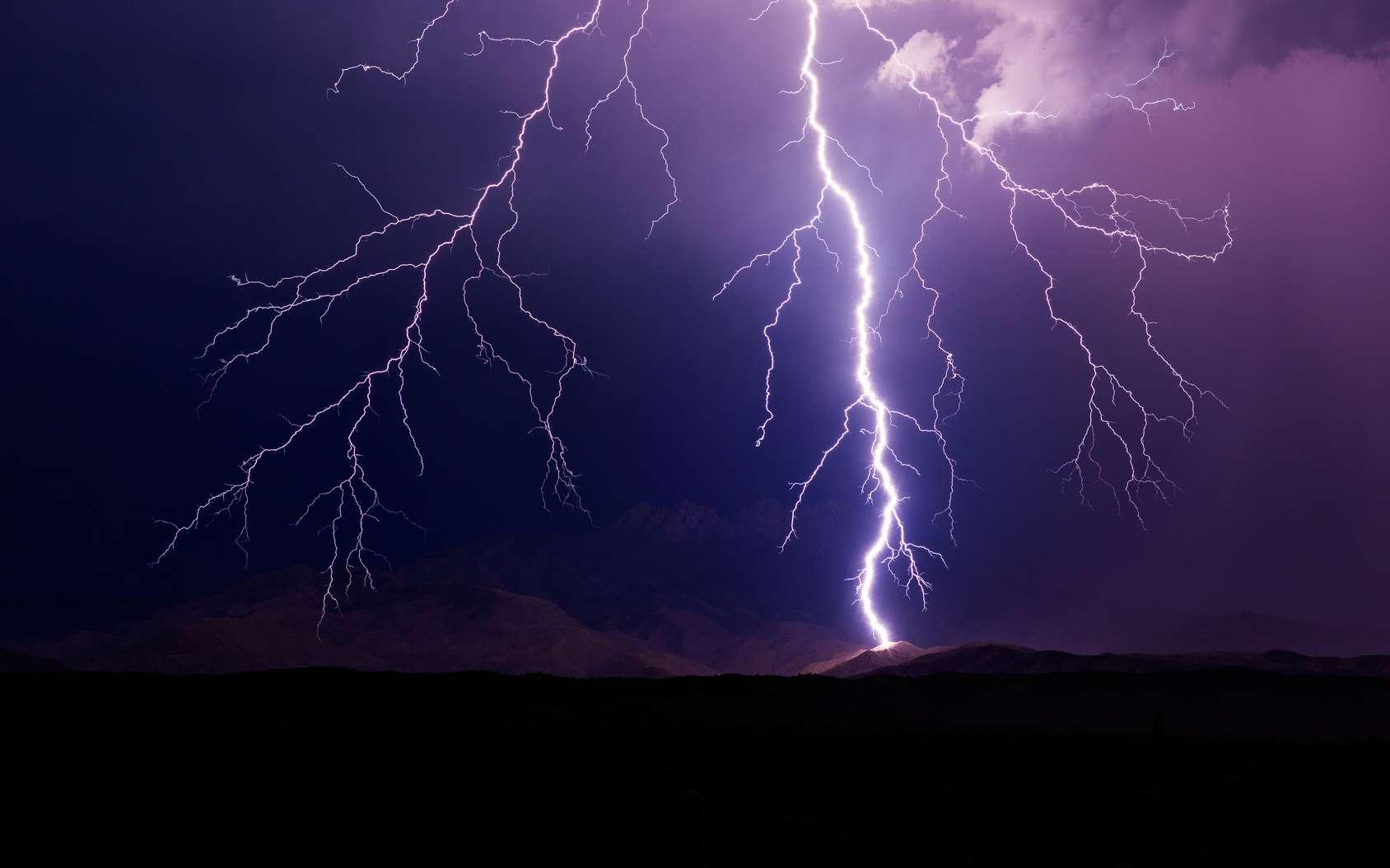 Grâce aux muons, une tension exceptionnelle a pu être mesurée dans un orage. © mdesigner125, fotolia
