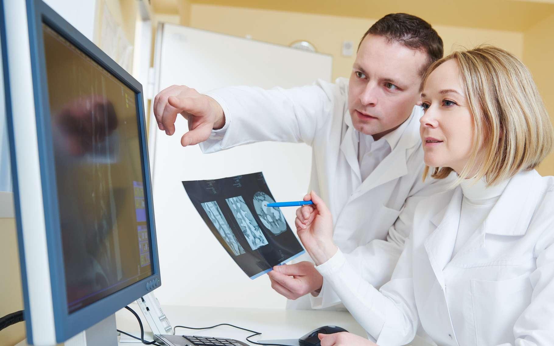 L'imagerie par résonance magnétique (IRM) permet de confirmer le diagnostic du syndrome de Joubert chez un jeune patient. © Dmitry Kalinovsky, Shutterstock