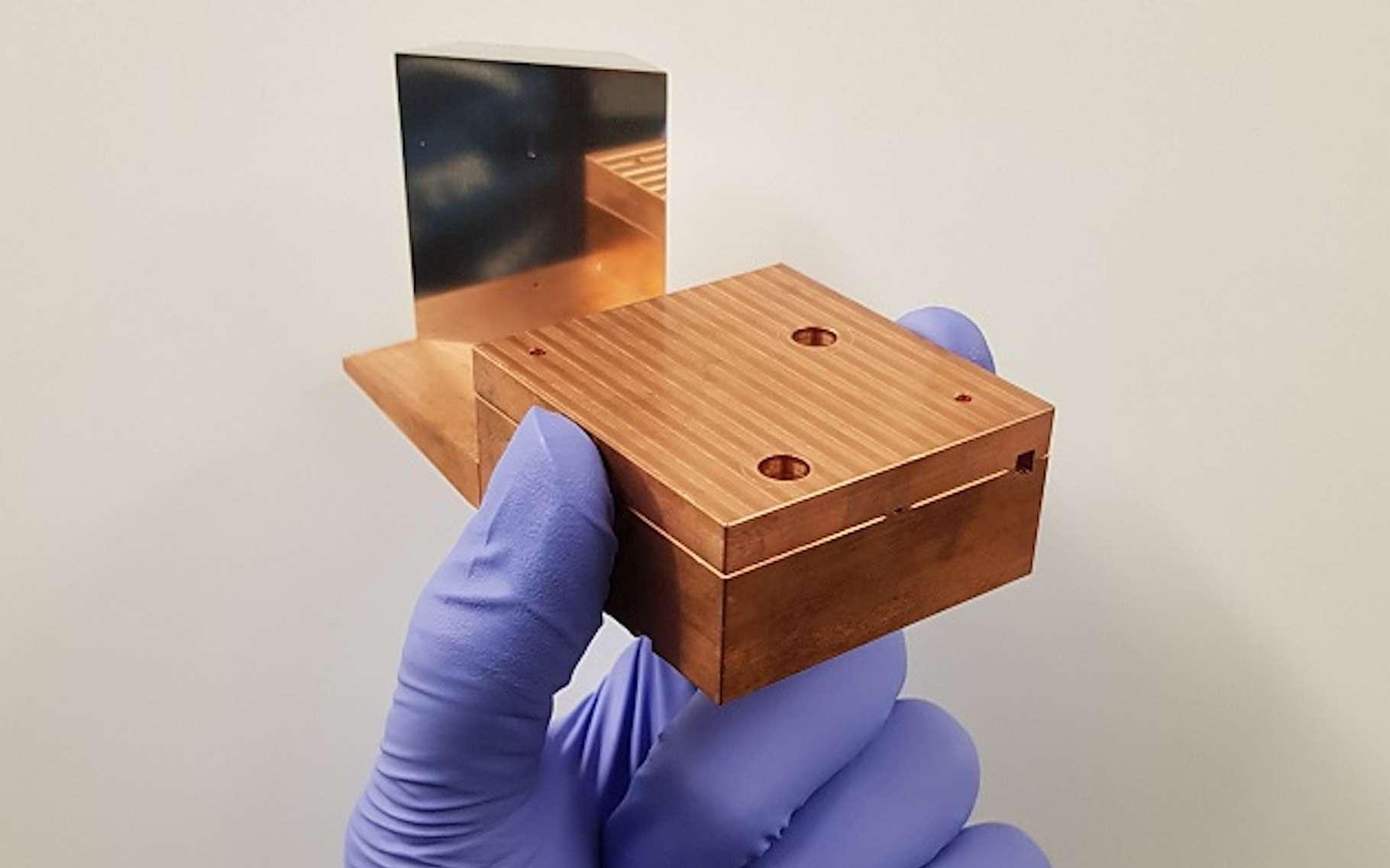 L'accélérateur de particules développé par des chercheurs de l'université de Manchester (Royaume-Uni) peut projeter des faisceaux d'électrons ultrabrefs à plus de 99,99 % de la vitesse de la lumière. © Vasileios Georgiadis, Université de Manchester