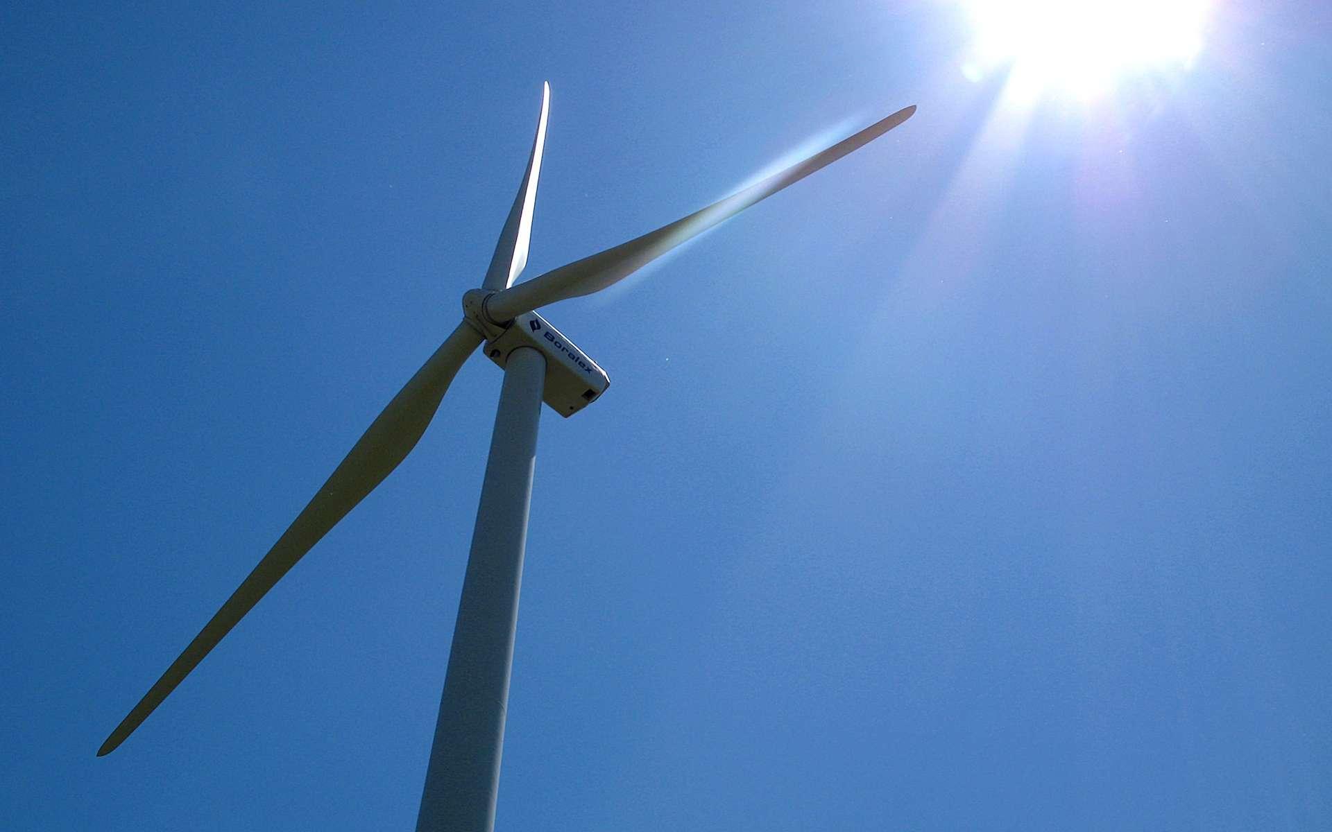 La production d'énergie grâce aux éoliennes est intermittente et non programmable, d'où le besoin de stocker l'électricité produite lorsque le vent souffle. © Dominique, Flickr, CC by-nc-nd 2.0
