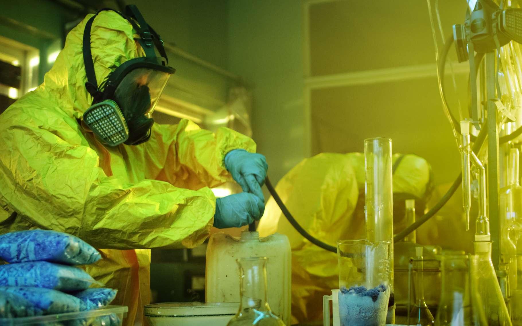 Lorsqu'une maison a abrité un laboratoire clandestin de méthamphétamine, on y trouve des résidus dangereux pendant des années après l'arrêt de la production. © Gorodenkoff, AdobeStock