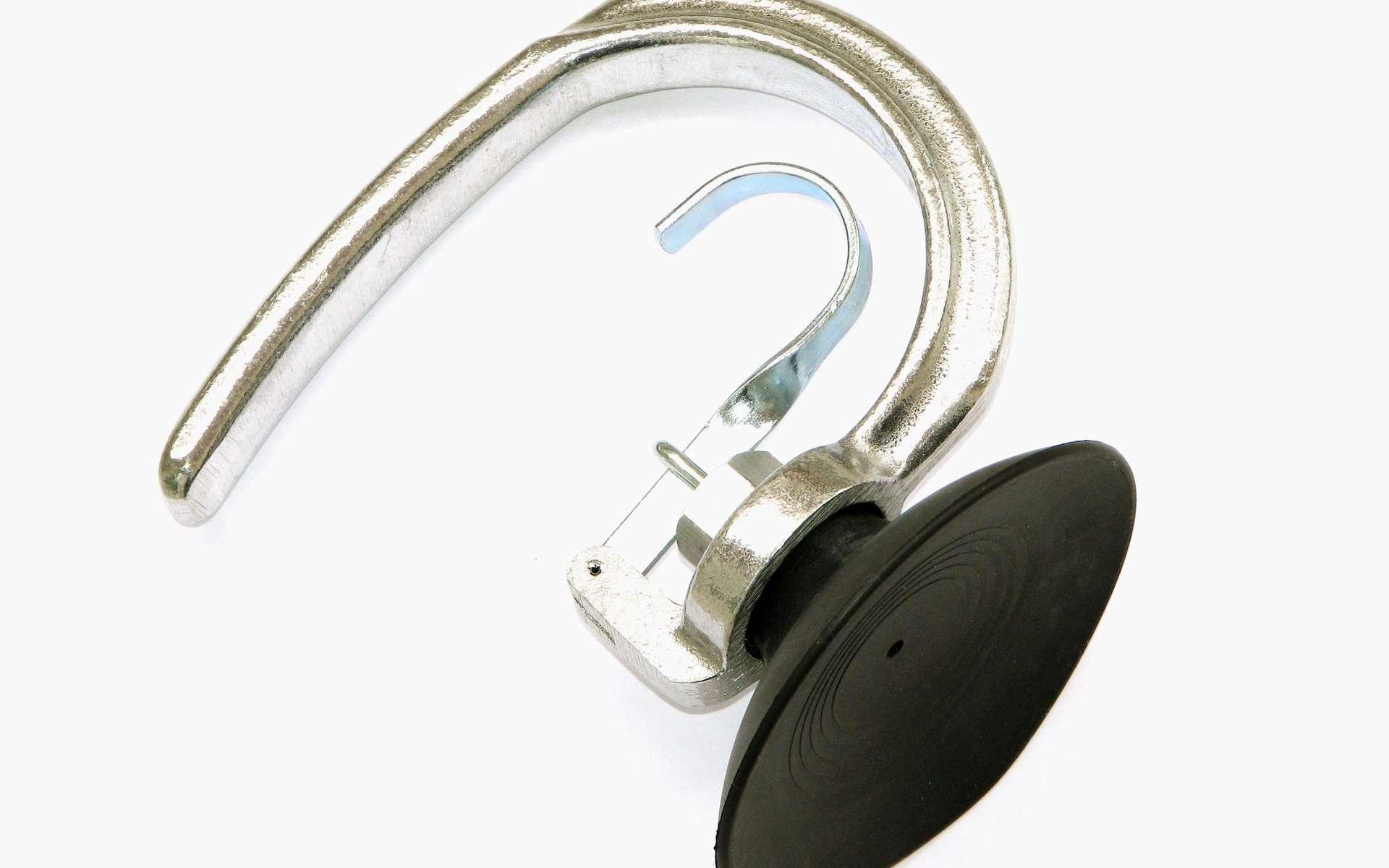 Si une ventouse peut coller à un mur lisse, c'est grâce à la pression atmosphérique. © Adamantios, Wikipedia, CC by-sa 3.0