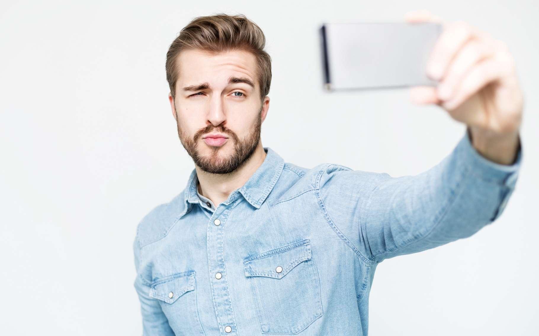 Mastercard a choisi de mise sur la reconnaissance faciale comme solution biométrique pour sa solution de sécurisation des paiements sur mobiles. Elle sera déployée dans une douzaine de pays à partir de cet été. © Lassedesignen, Shutterstock