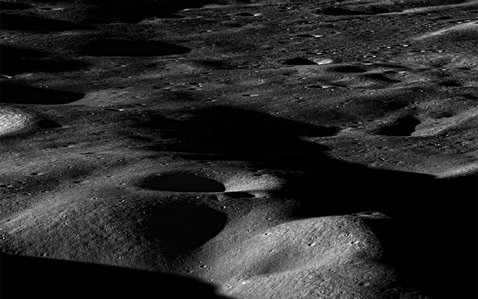 La Chine veut décrocher la Lune et se donne les moyens d'y parvenir. Chang'e-2 devrait partir tourner autour de la Lune en fin d'année. Crédits Nasa / GSFC / Arizona State University