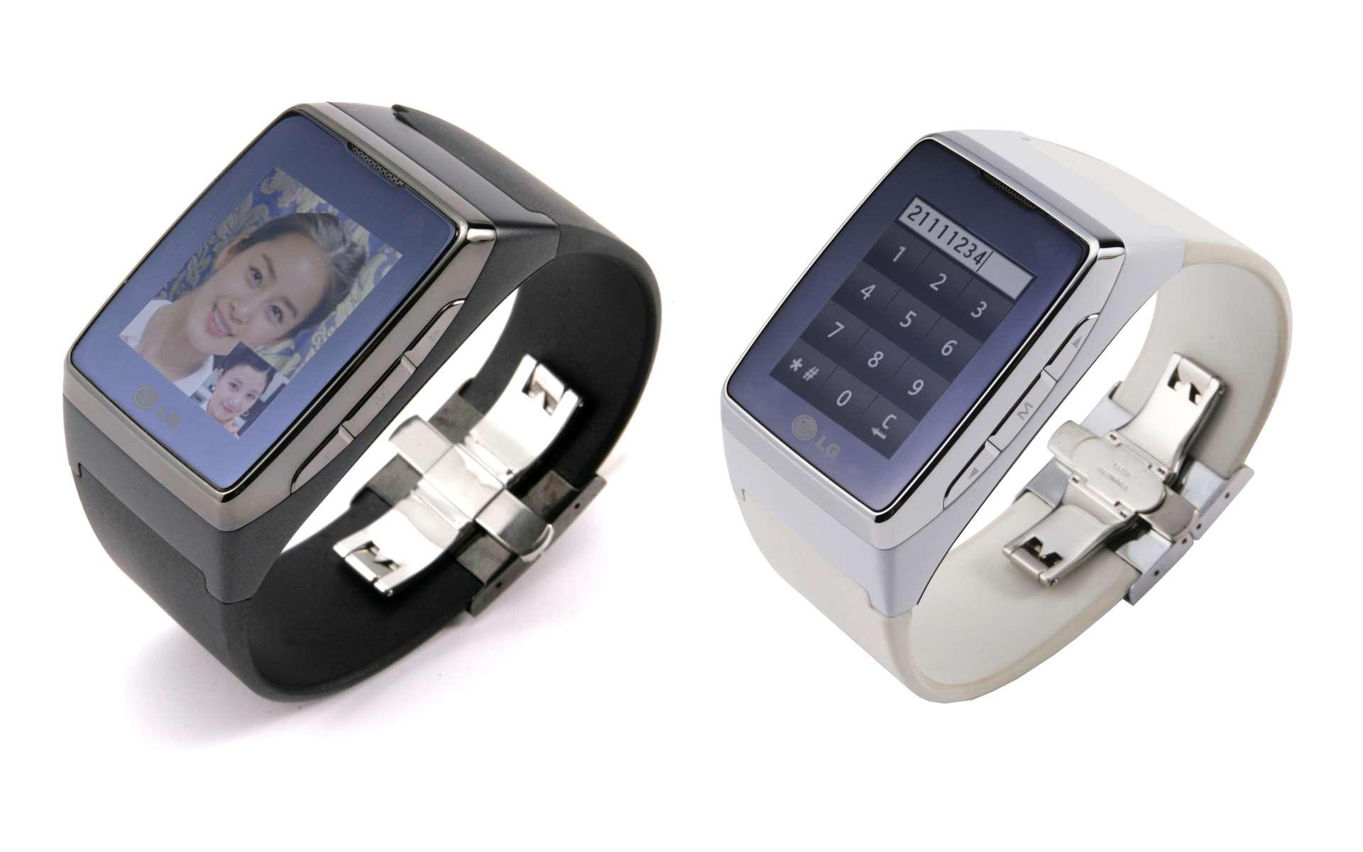 Chic et cher, ce minuscule téléphone se porte au poignet... © DR