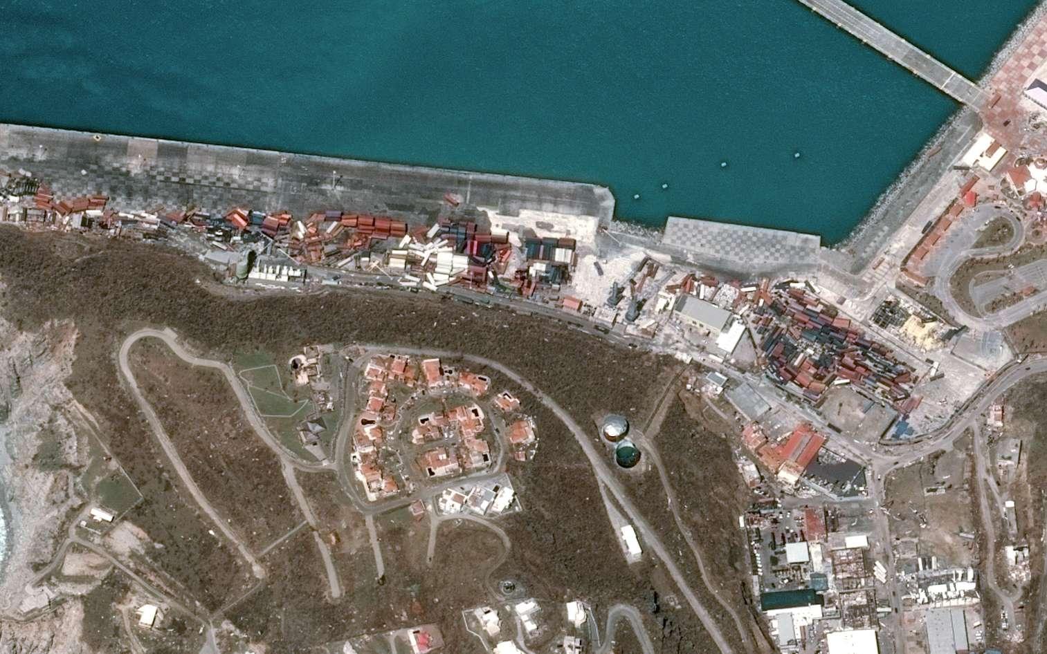 Zoom sur le port de Saint-Martin, complètement balayé par l'ouragan Irma. Cette image a été acquise par le satellite Pléiades deux jours après le passage de l'ouragan. © Cnes 2017, Distribution Airbus DS