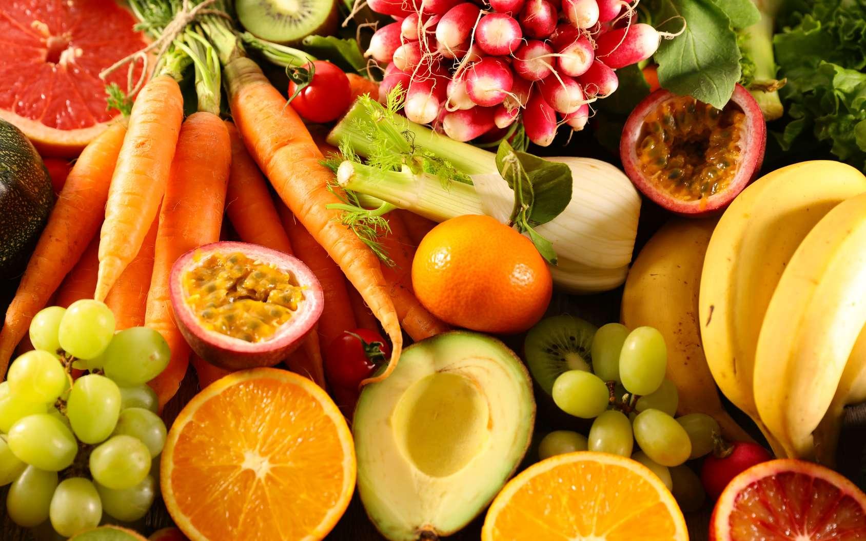 L'orange, le raisin et la carotte font partie des aliments aux propriétés anti-cancer. © M.studio, Fotolia
