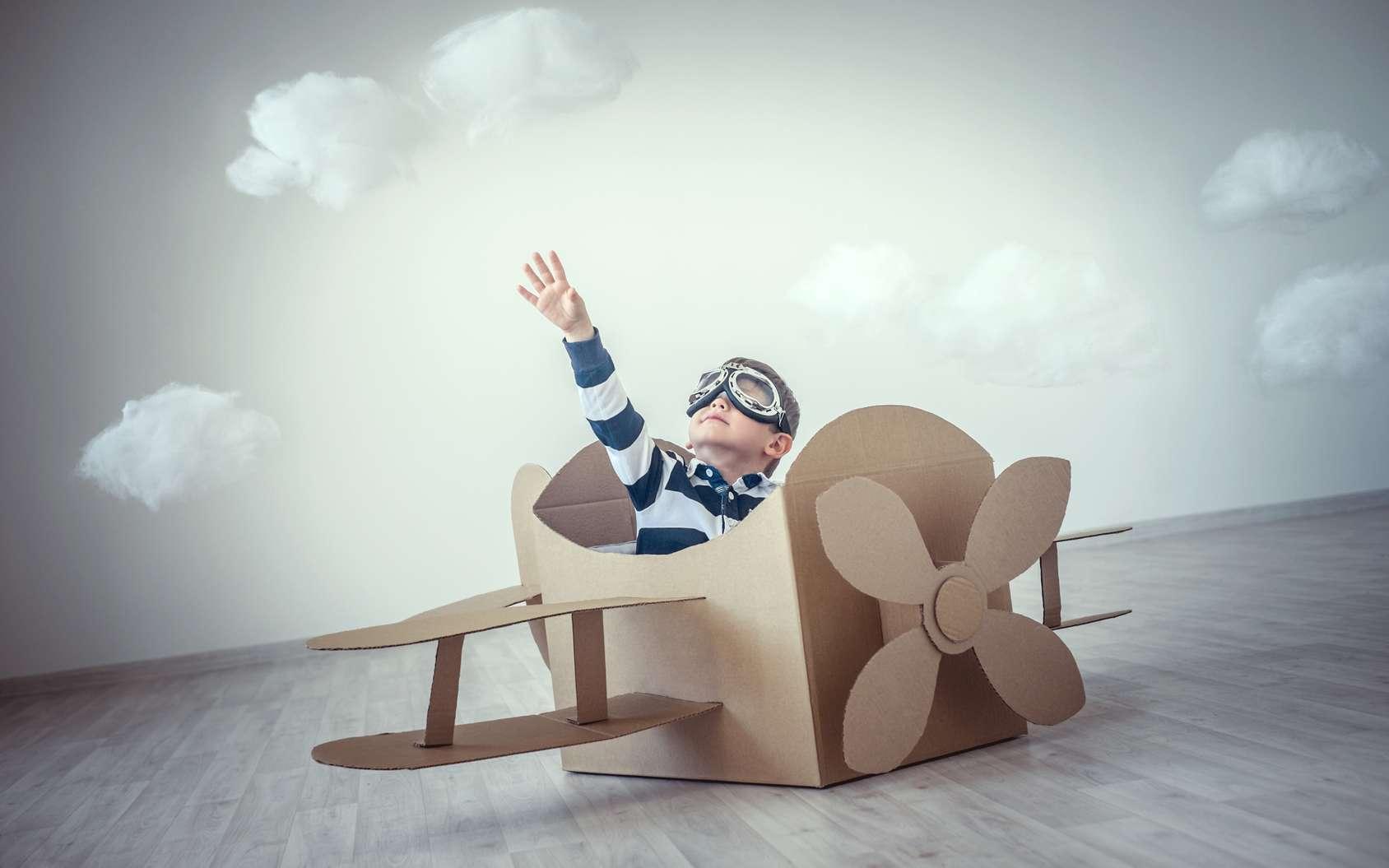 L'envie de voler enflamme les imaginations à tout âge et depuis la nuit des temps. © LuckyImages, Fotolia