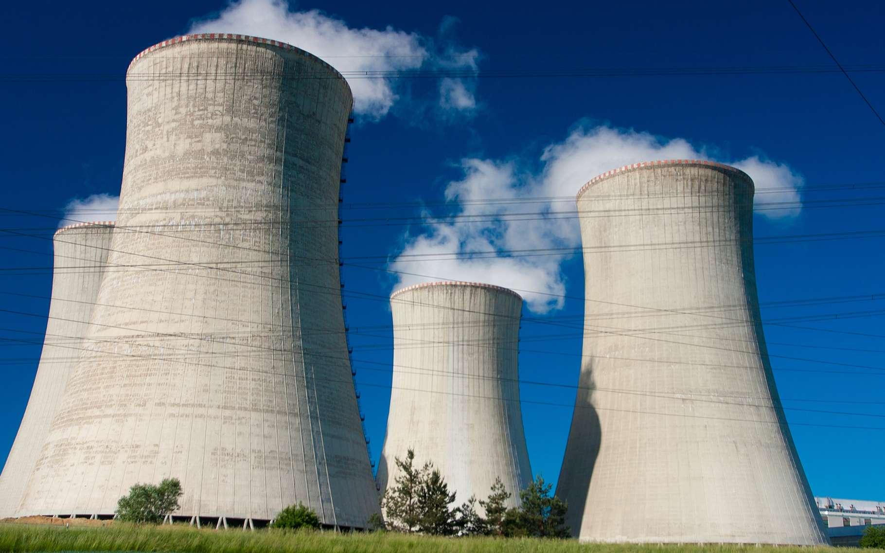Le matériau nanocéramique mis au point par une équipe internationale de chercheurs pourrait permettre de rendre les réacteurs nucléaires du futur plus sûrs et plus économiques. © Bestweb, Shutterstock
