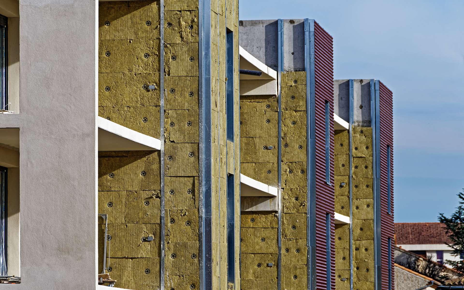 Isoler les murs extérieurs © Pictures news, AdobeStock