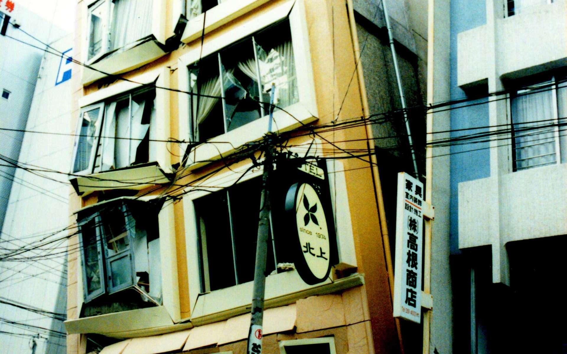 Le développement de nouveaux modèles de prévision des séismes pourrait un jour sauver la vie à des milliers de personnes. En 1995, le tremblement de terre de Kobé avait fait 6.437 morts. © Akiyoshi's Room, Wikimedia common, DP