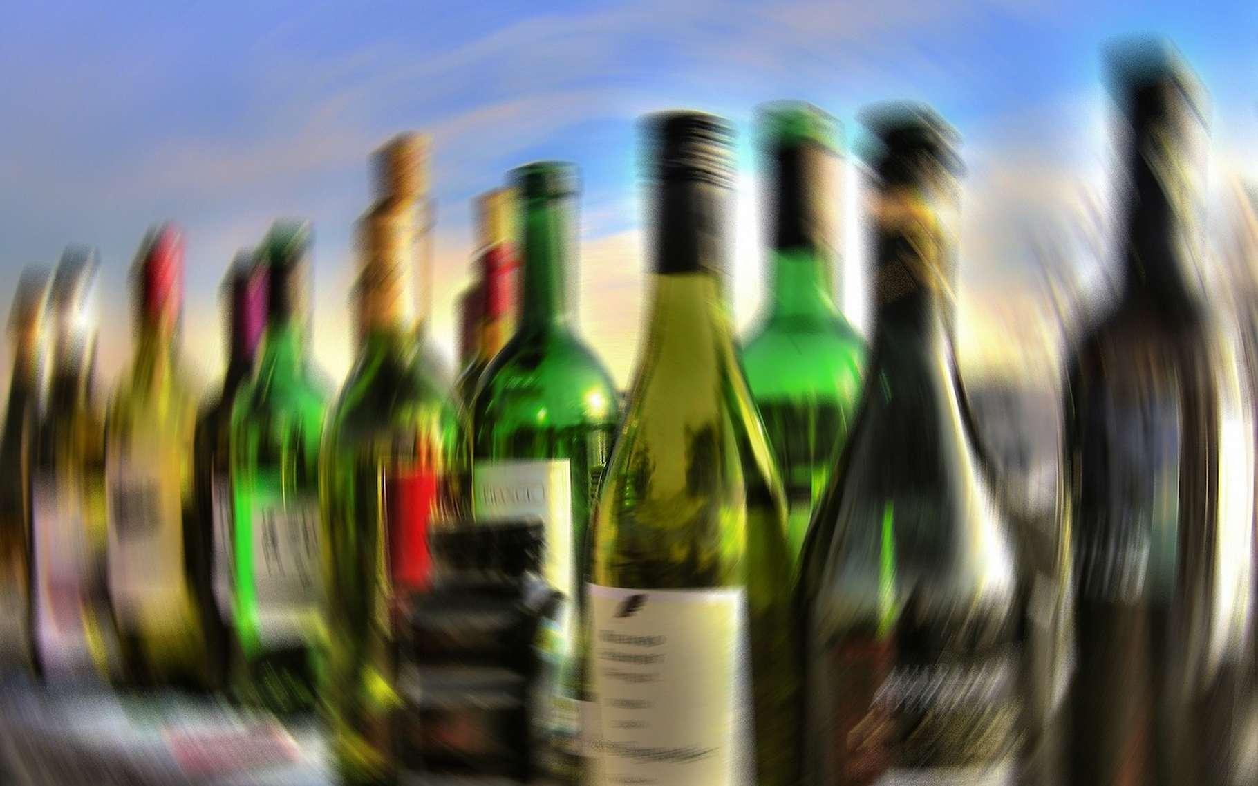 Des chercheurs ont analysé les décors de bouteilles en verre et ont découvert dans certains, des concentrations de plomb, de cadmium et de chrome qui pourraient s'avérer dangereuses pour la santé et pour l'environnement. © geralt, Pixabay License