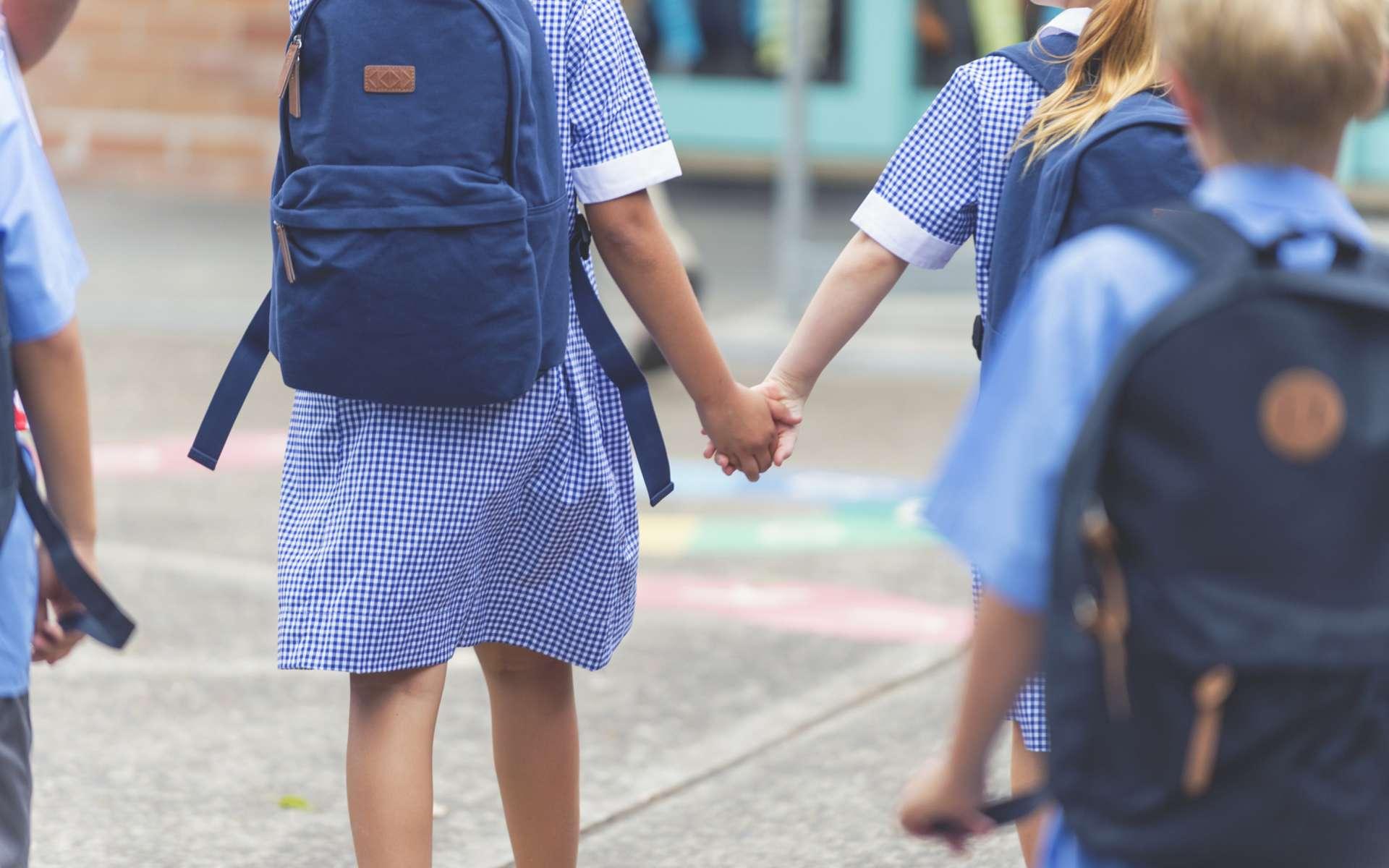 Une dynamique de transmission du SRAS-CoV-2 différente chez les enfants. © courtneyk, IStock.com
