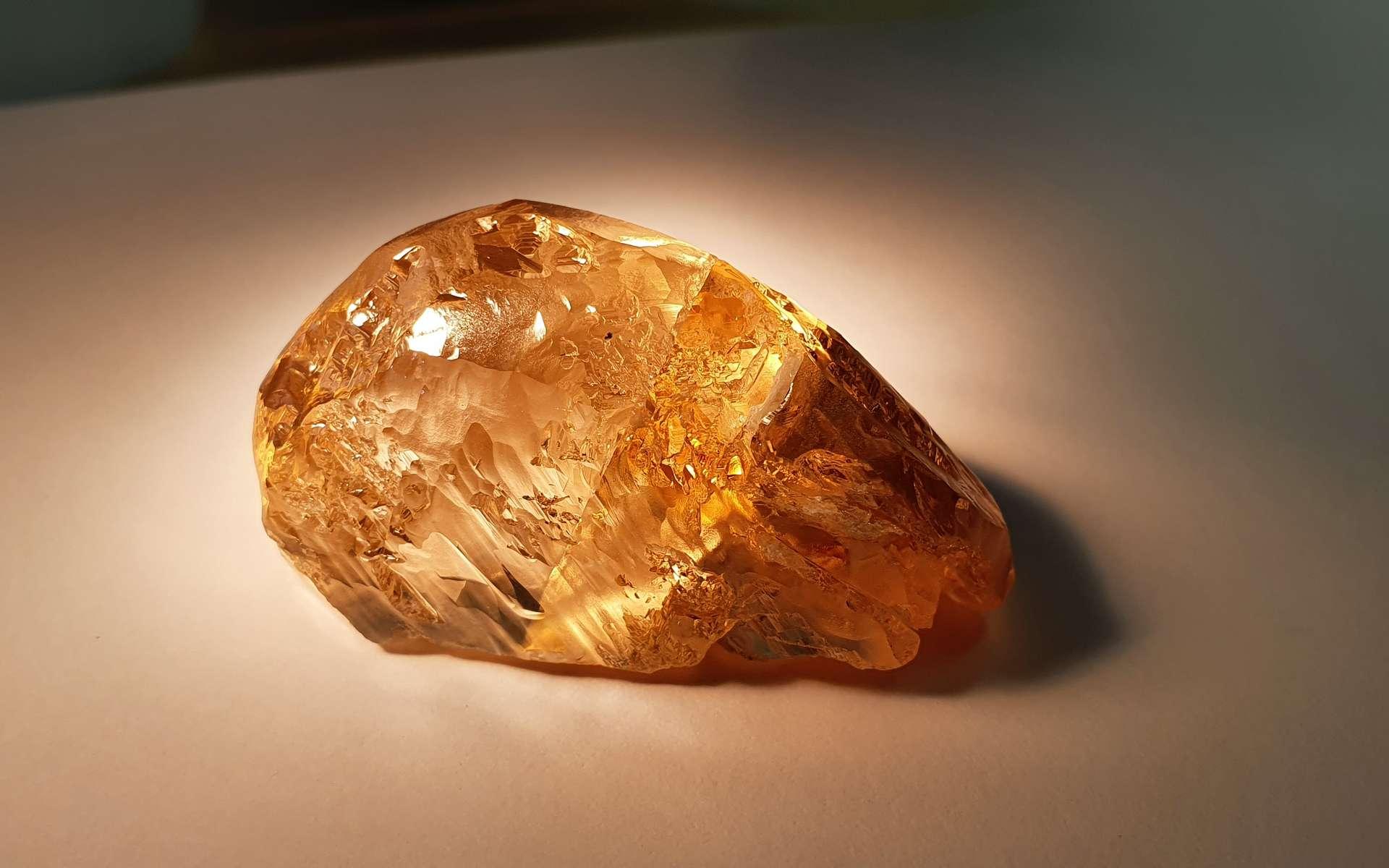 236 carats : le plus gros diamant de couleur jamais trouvé en Russie