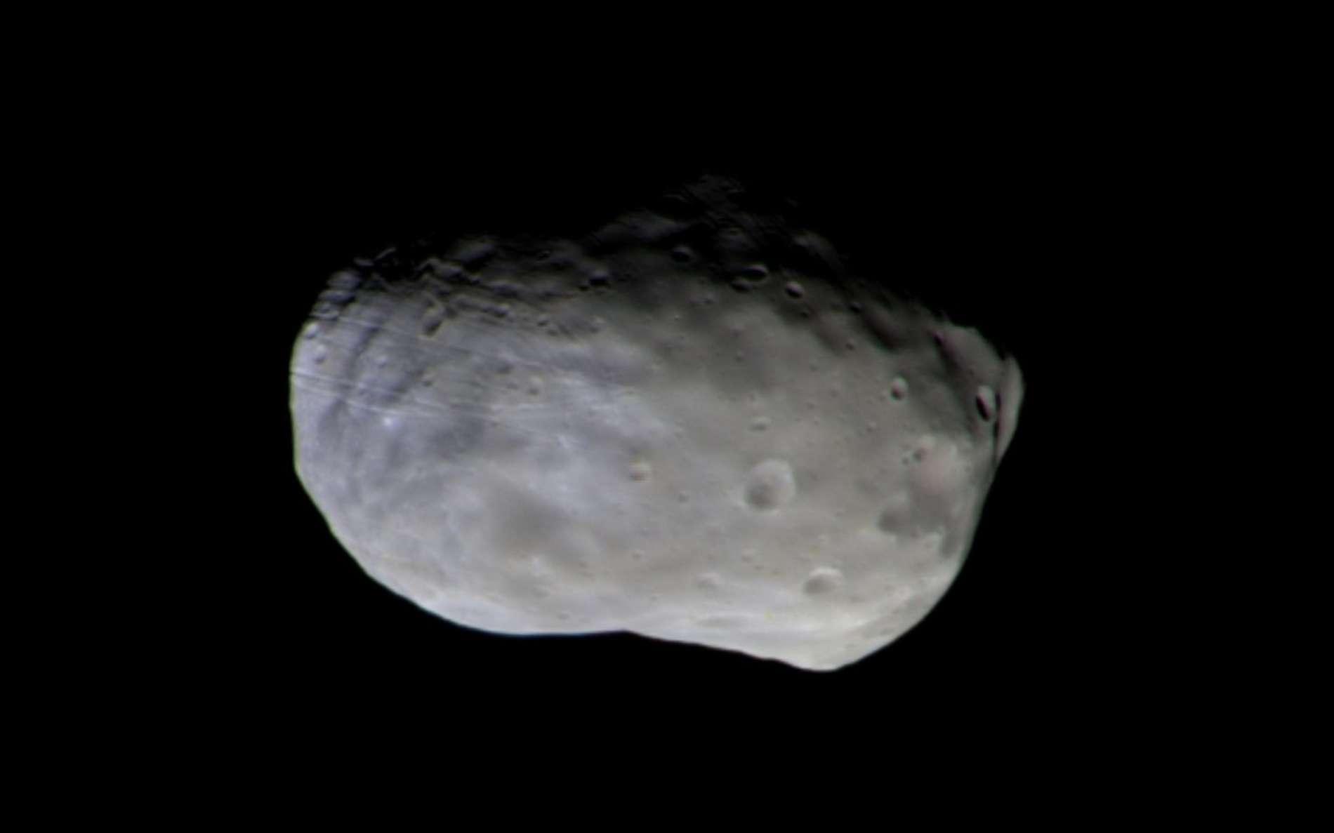 Image composite de Phobos prise par TGO le 26 novembre, à 7.700 km de distance. © ESA, Roscosmos, Cassis