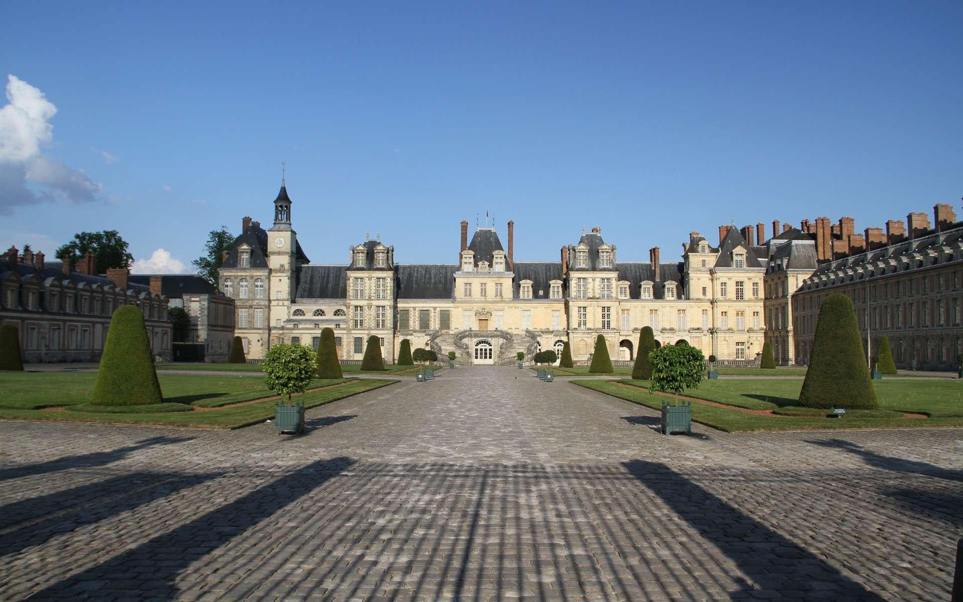 La visite du château de Fontainebleau permet aussi de découvrir les 130 hectares du parc. © Dynamosquito, Flickr, CC by-sa 2.0