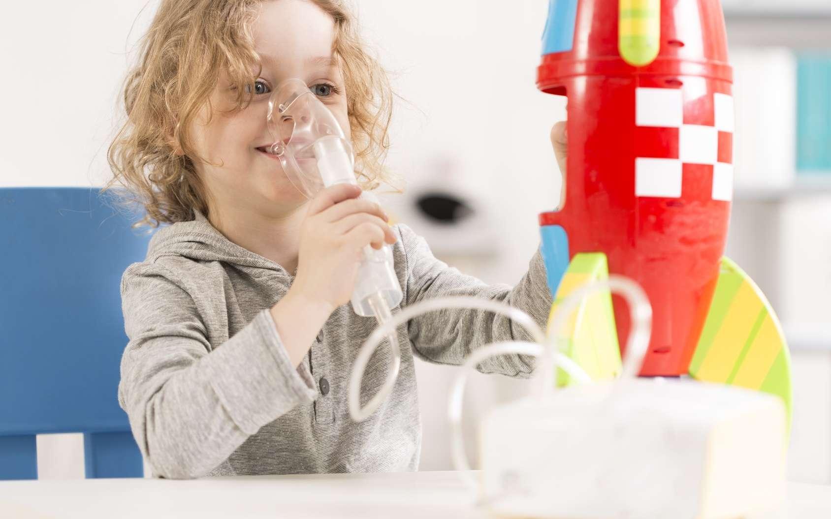 Les patients atteints de mucoviscidose souffrent de problèmes respiratoires. © Photographee.eu, Fotolia
