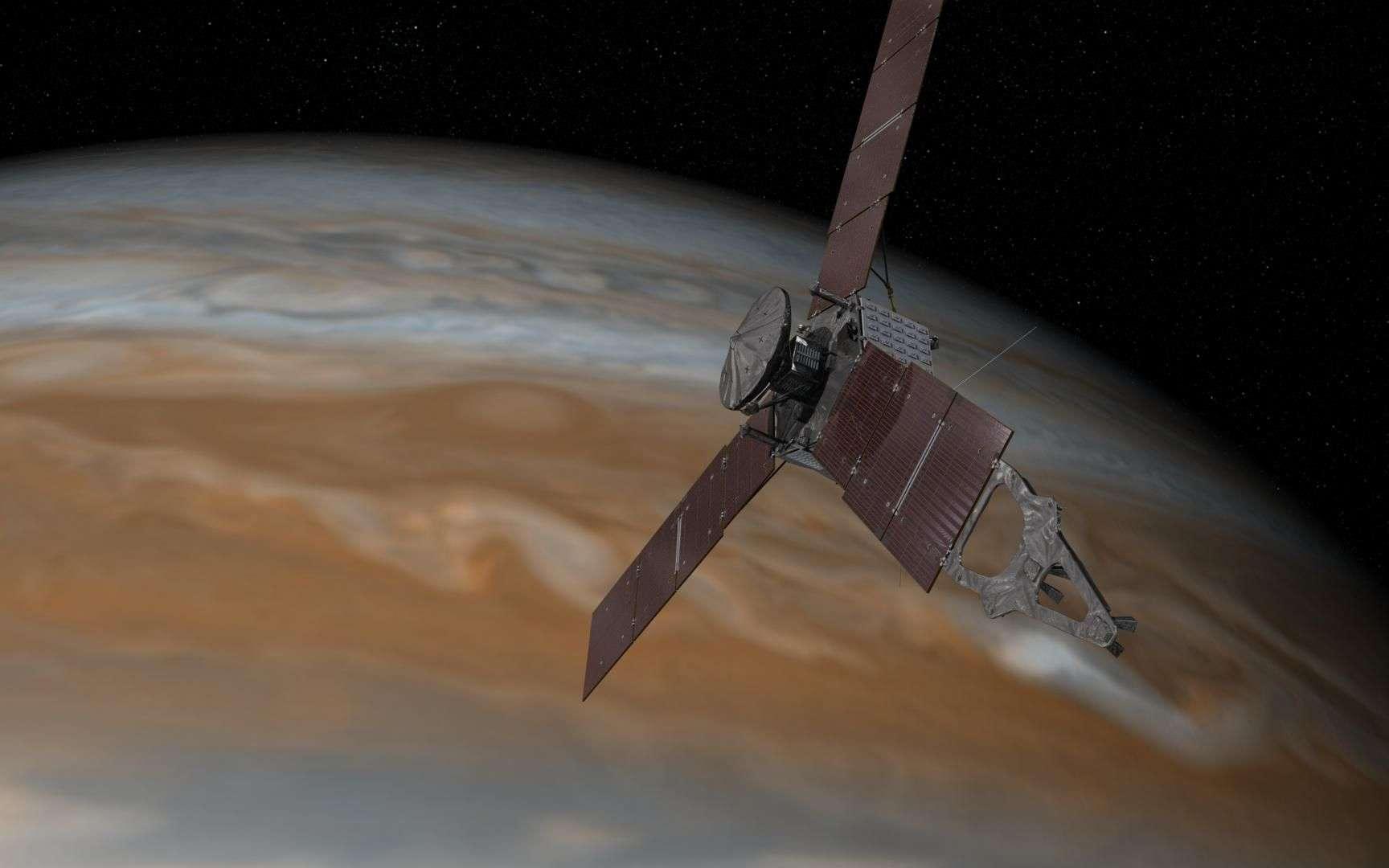 Lancée en août 2011, la sonde Juno est arrivée le 4 juillet en orbite autour de Jupiter pour une mission de 12 à 18 mois. Elle ouvre la voie à ses deux futurs successeurs, Europa Clipper et Juice. À elles trois, elles relancent l'exploration du système jovien, quinze ans après la fin de la mission Galileo. © Nasa