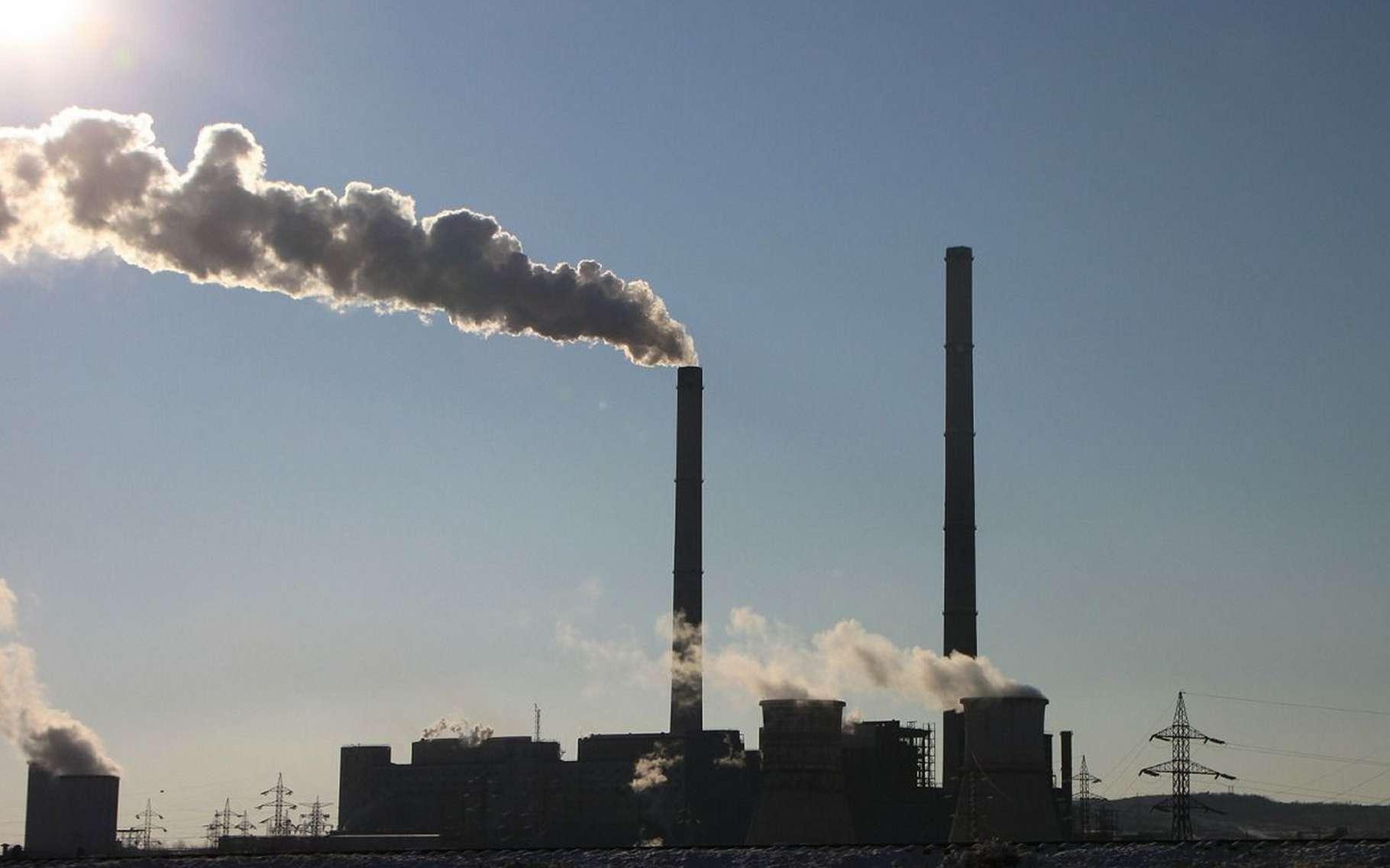 La concentration de CO2 dans l'atmosphère est désormais très proche des 400 ppm à l'échelle de la planète, une teneur que la Terre n'a pas connue depuis l'époque des australopithèques. Entre le début de l'ère industrielle et aujourd'hui, elle a augmenté de 120 ppm. © byrev, Pixabay, DP