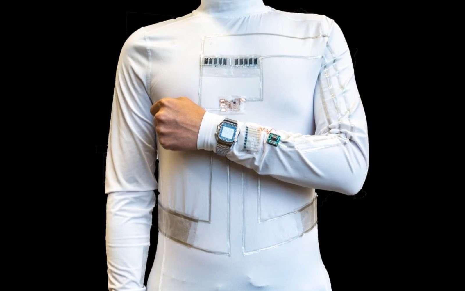 Des chercheurs ont combiné des générateurs triboélectriques et des piles à combustibles microbiennes pour créer un vêtement capable d'alimenter de petits appareils. © University of California San Diego