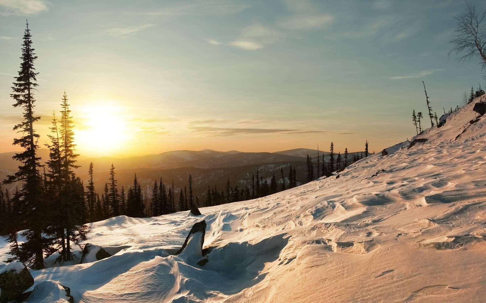 Aux origines de Noël, il y a le solstice d'hiver… Ici, lever du Soleil en hiver. © Dmitry A. Mottl, Wikimedia Commons