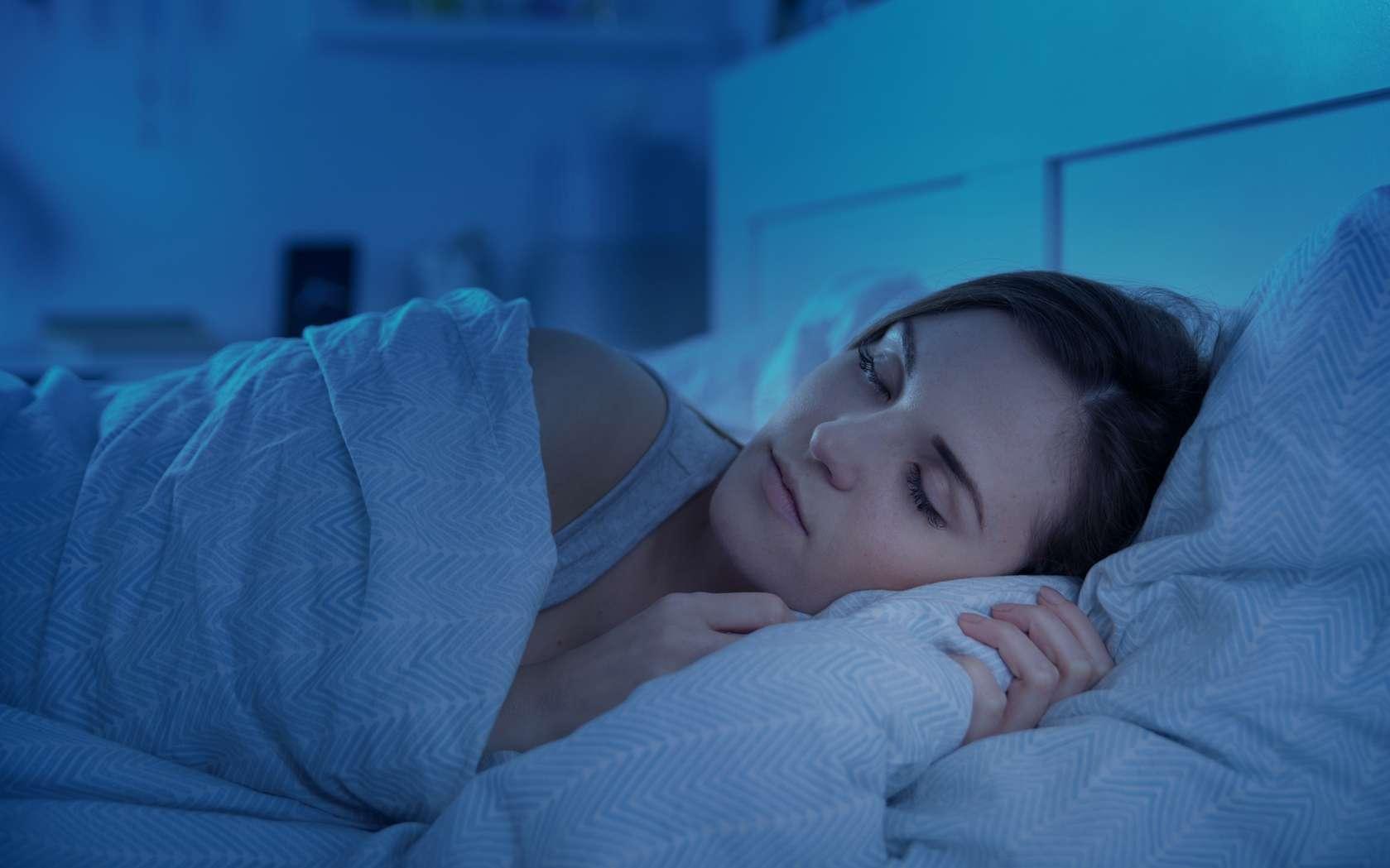 Le sommeil lent est la phase pendant laquelle l'individu entre dans un sommeil profond. © leszekglasner, fotolia