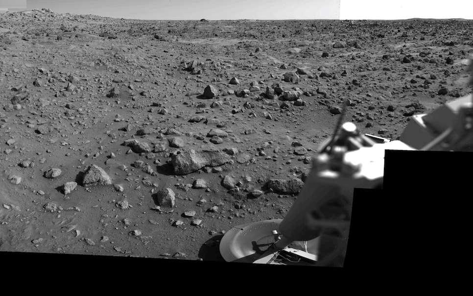 Mosaïque d'images en haute résolution prises par le système de caméra de Viking 1, un matin martien. © Nasa, JPL