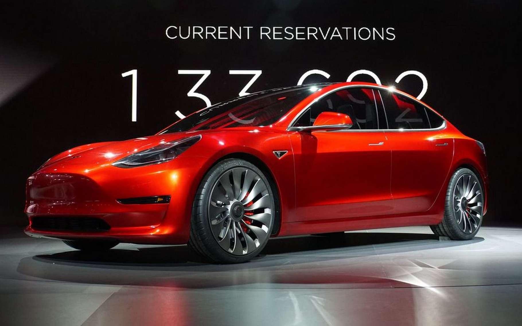 Des propriétaires d'une Tesla Model 3 ont réussi à conduire 975 kilomètres en une seule charge ! © Tesla Motors