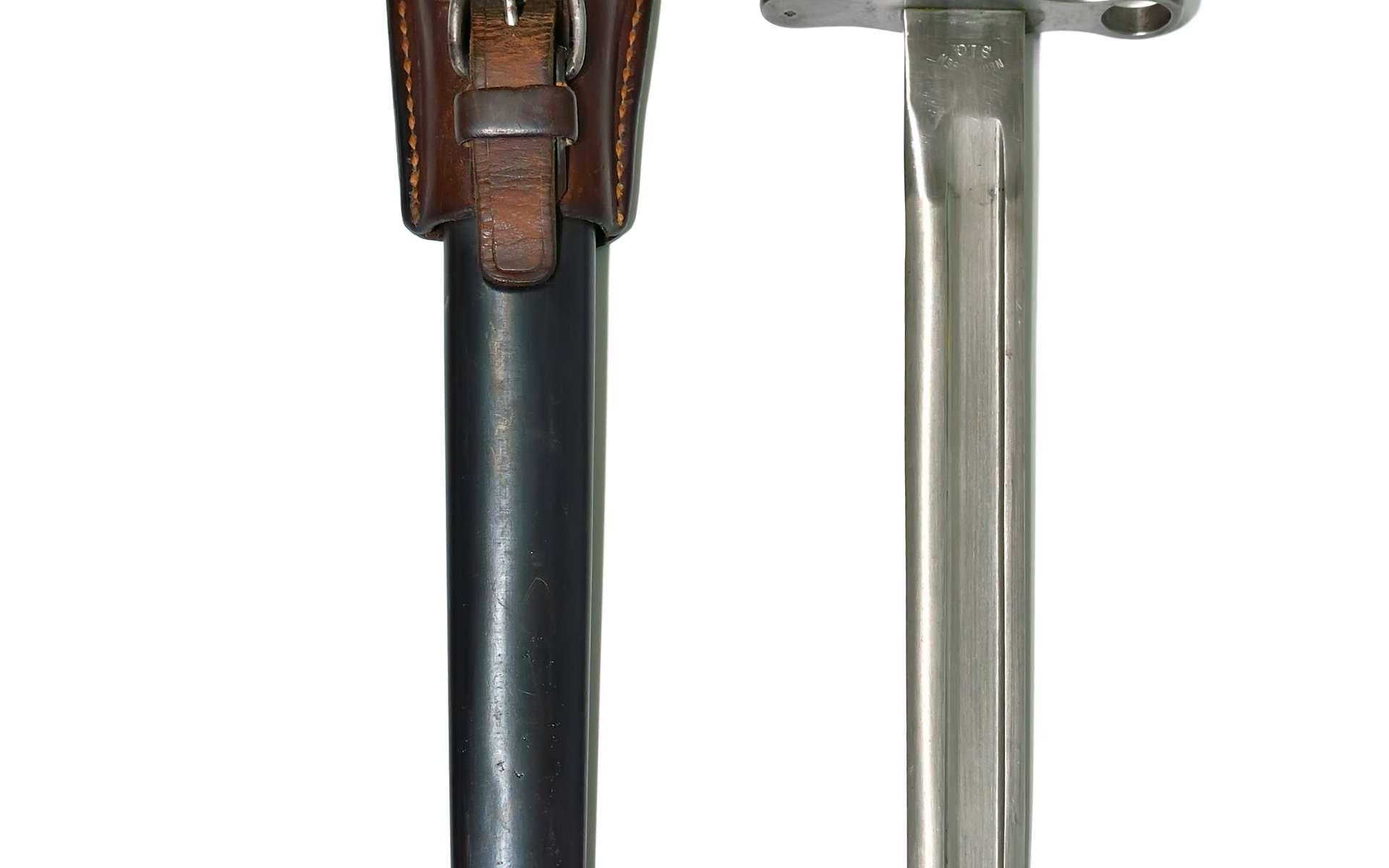Un adent, en mécanique, est une encoche d'une liaison baïonnette qui doit son nom à la façon de fixer cette arme au bout de certains fusils. © Bouterolle, CC BY-SA 3.0, Wikimedia