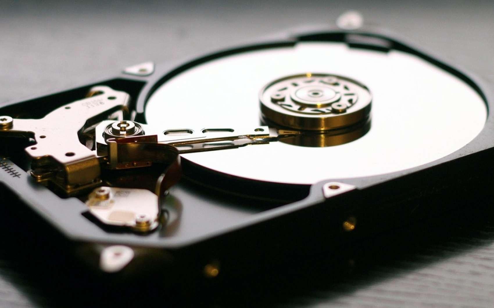 Les lecteurs de disque de type HDD peuvent être défragmentés régulièrement. © Pixabay