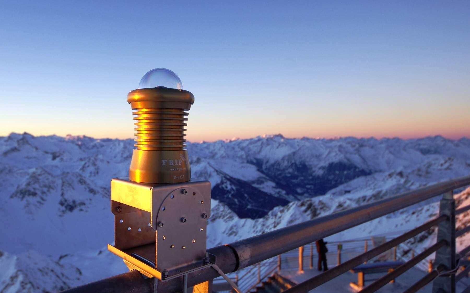 Une caméra Fripon installée dans les Pyrénées, à l'observatoire du Pic du Midi. © Fripon