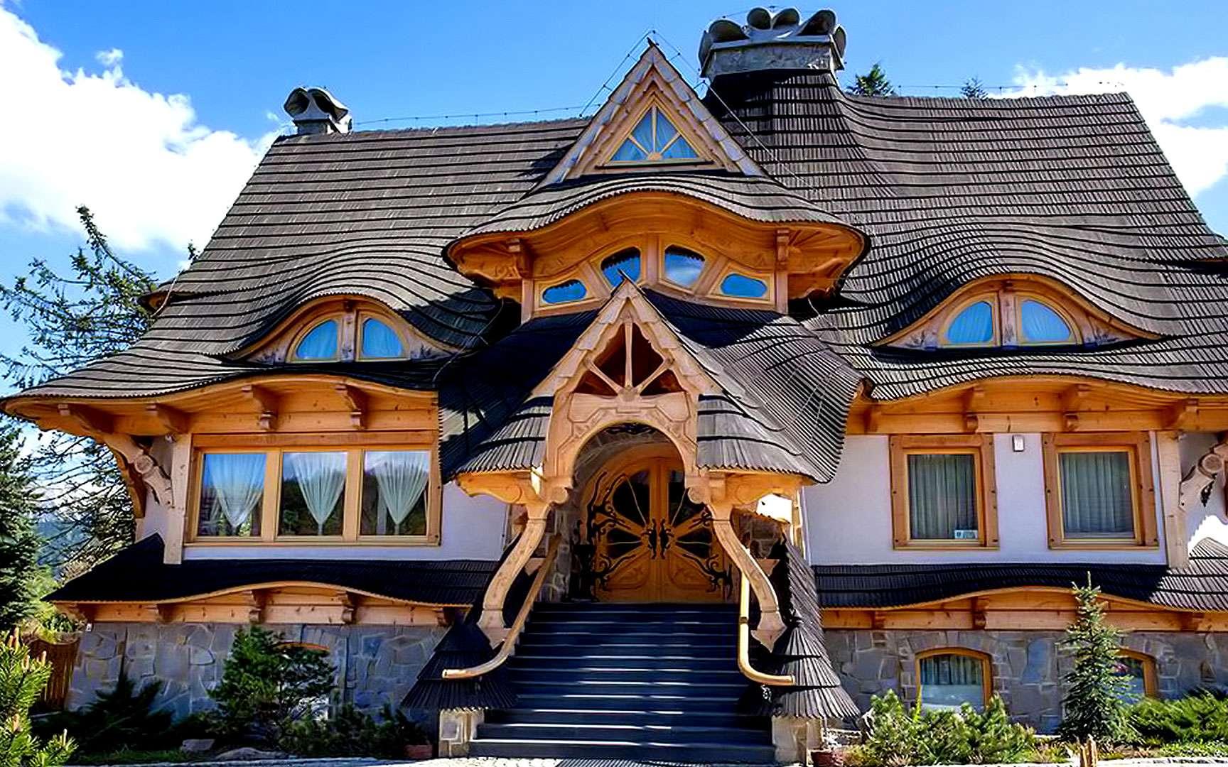 Maison en bois à Zakopane, dans le sud de la Pologne. © Benkamorvan, CC
