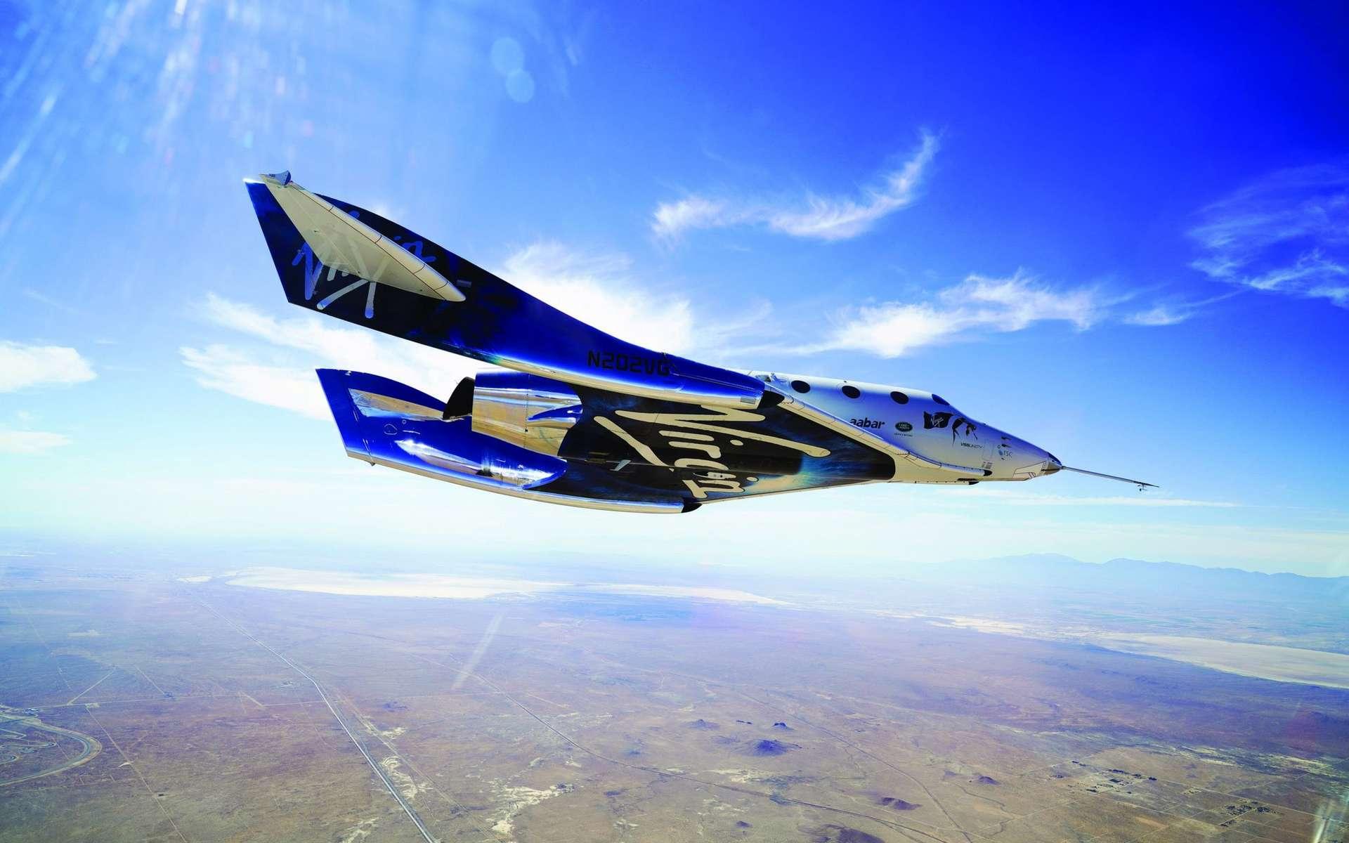 Le SpaceShipTwo (VSS Unity) au-dessus de l'aéroport et port spatial de Mojave. © Virgin Galactic