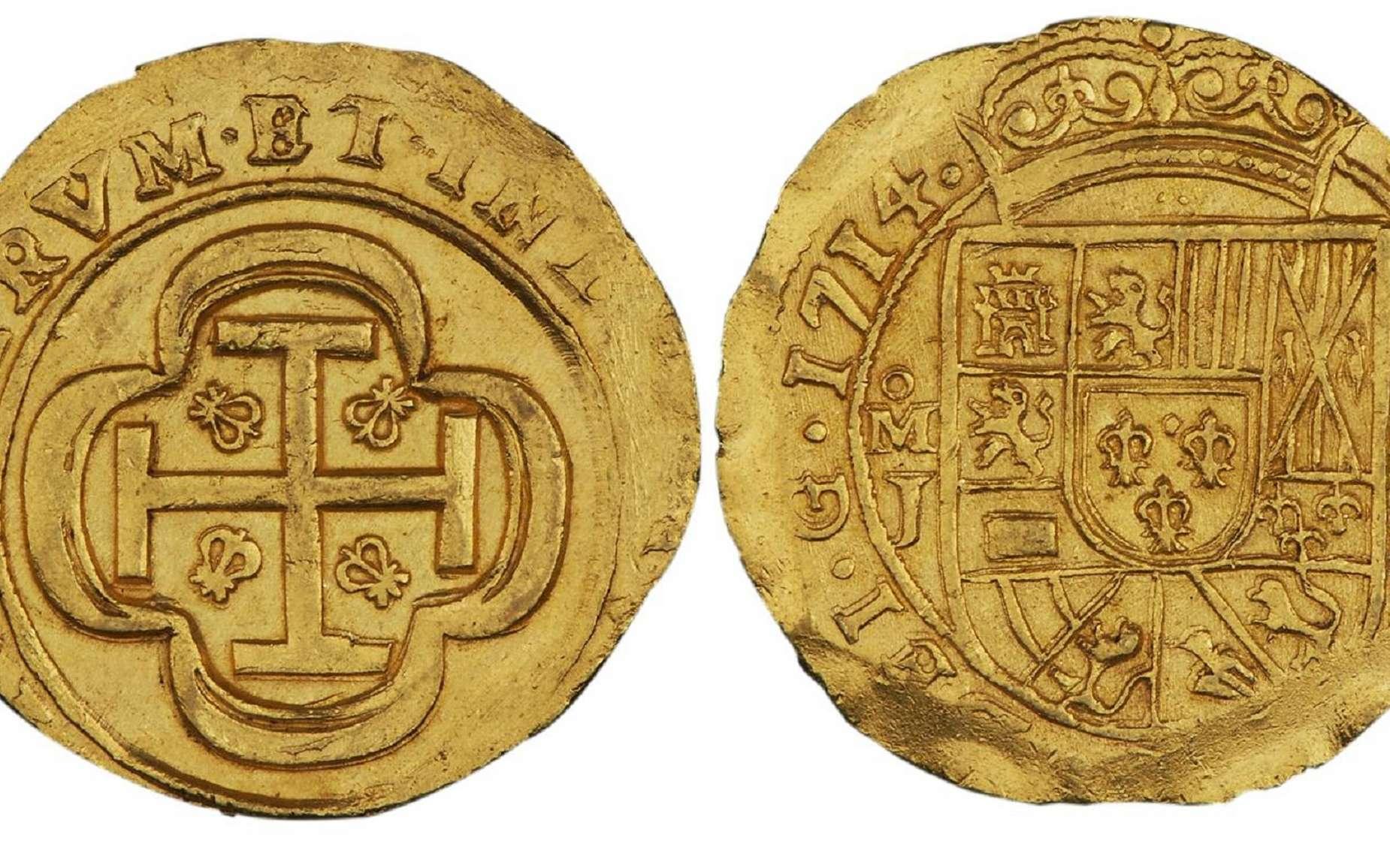 Doublon d'or de huit escudos (écus) de Philippe V, frappé en 1714 ; récupéré dans une épave ayant sombré en 1715, faisant partie du « trésor de la flotte espagnole de 1715 ». Musée de la Banque du Canada. © Wikimedia Commons, domaine public.