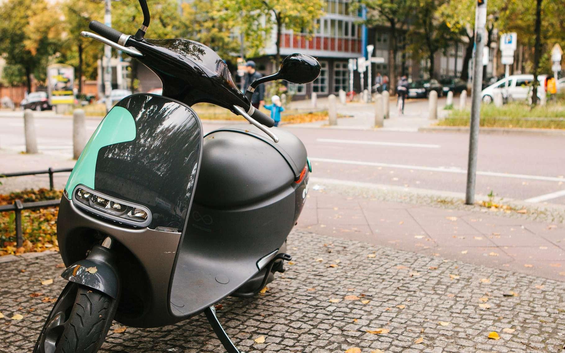 Dans les rues de Pékin, les scooters électriques constituent une large part de la flotte des véhicules en circulation. En Europe aussi, comme ici à Berlin, les citadins optent de plus en plus pour ce moyen de transport. © franz12, Fotolia