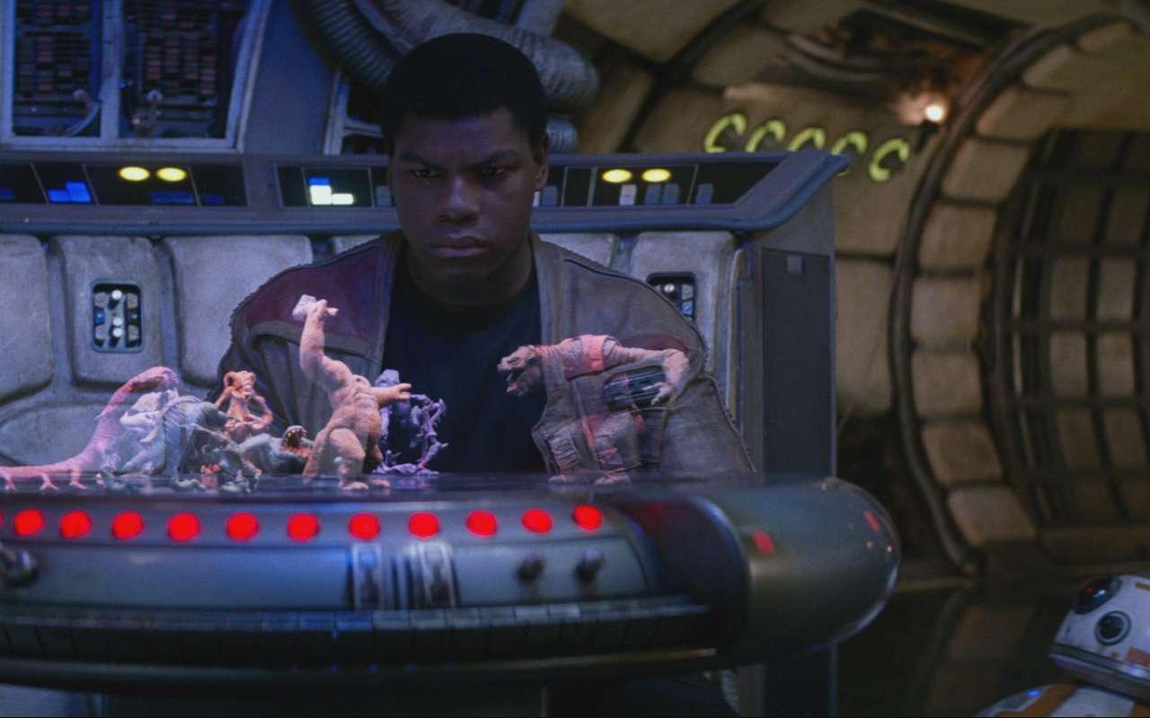 Dans La Guerre des étoiles (Star Wars épisode IV) puis Le réveil de la force (épisode VII), on peut voir le fameux Dejarik, le jeu d'échecs basé sur des personnages holographiques créé par Phil Tippett qui espère aujourd'hui lui donner vie sous la forme d'un jeu vidéo. © Disney, Lucasfilm, Tippett Studio