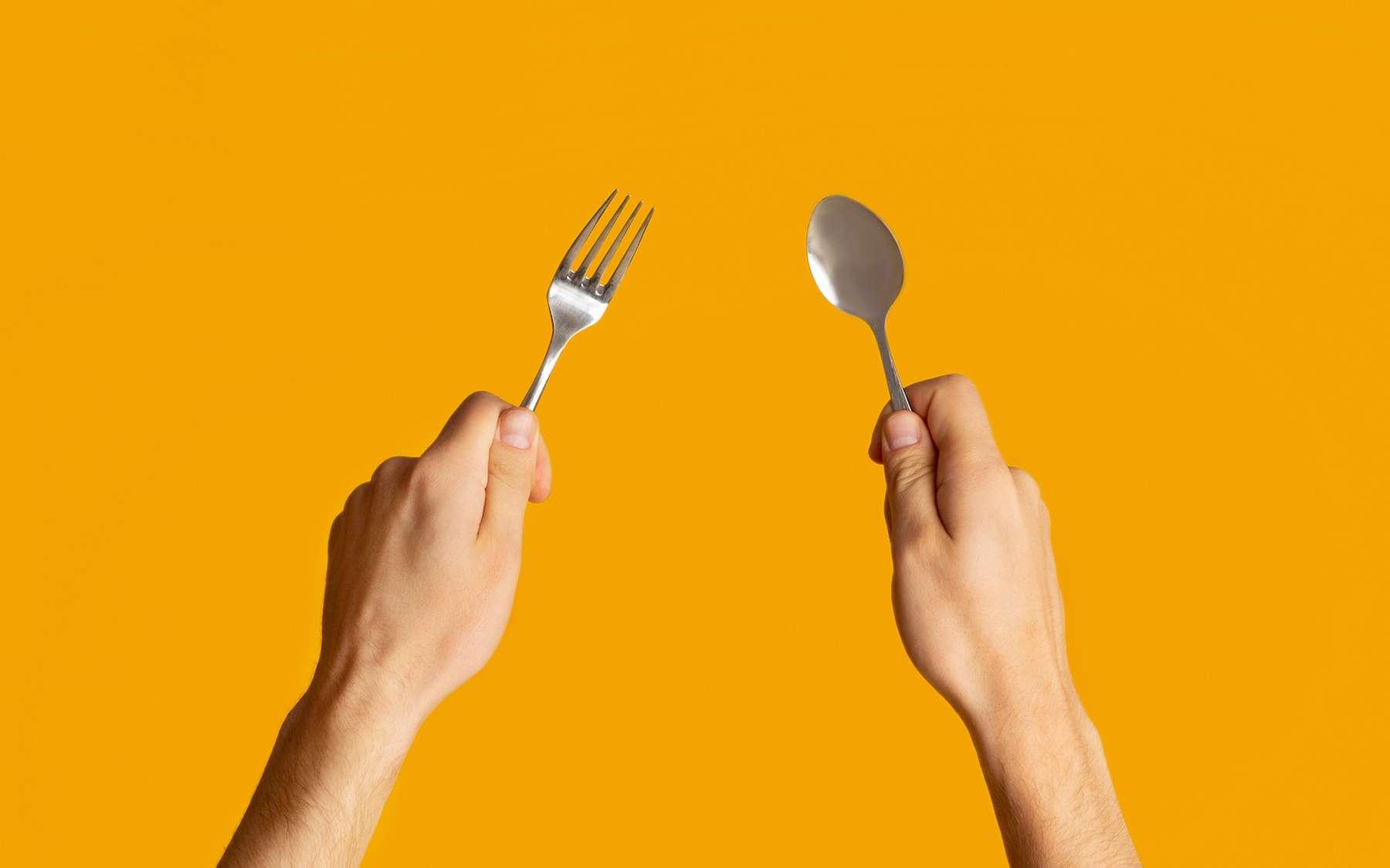Les petites cuillères ont une valeur d'usage plus importante que les fourchettes. © Prostock-studio, Adobe Stock