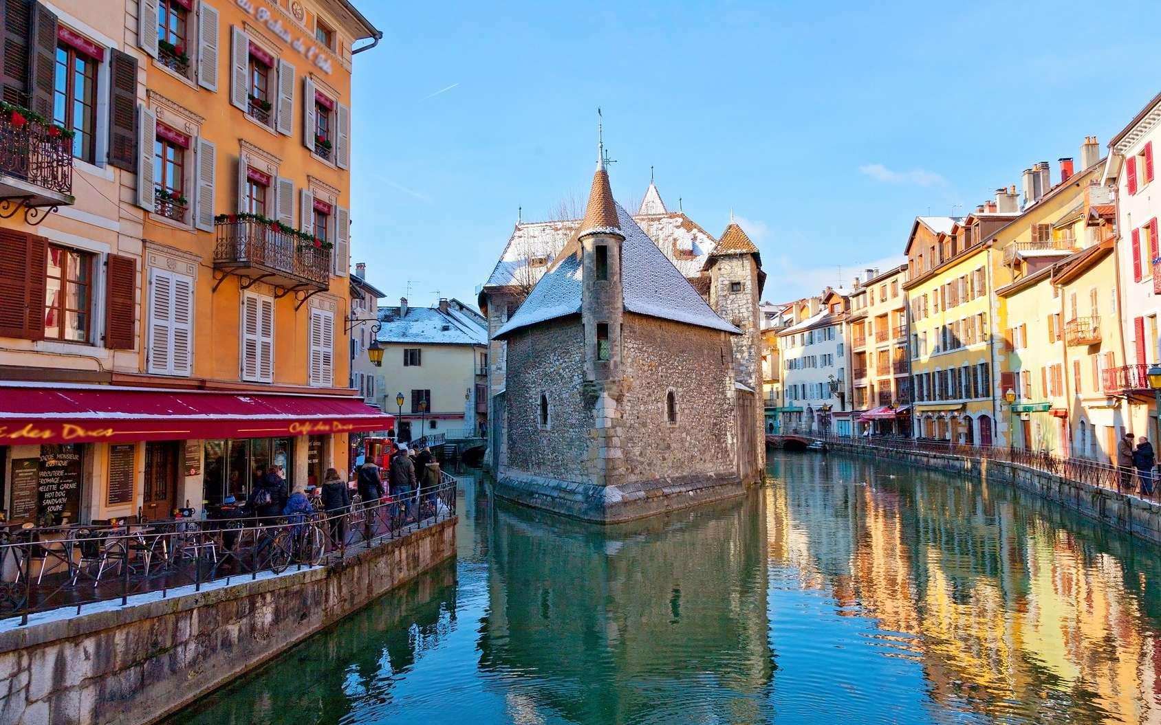 À Annecy, la Venise des Alpes, le niveau d'eau est particulièrement bas. © santosha57, Fotolia