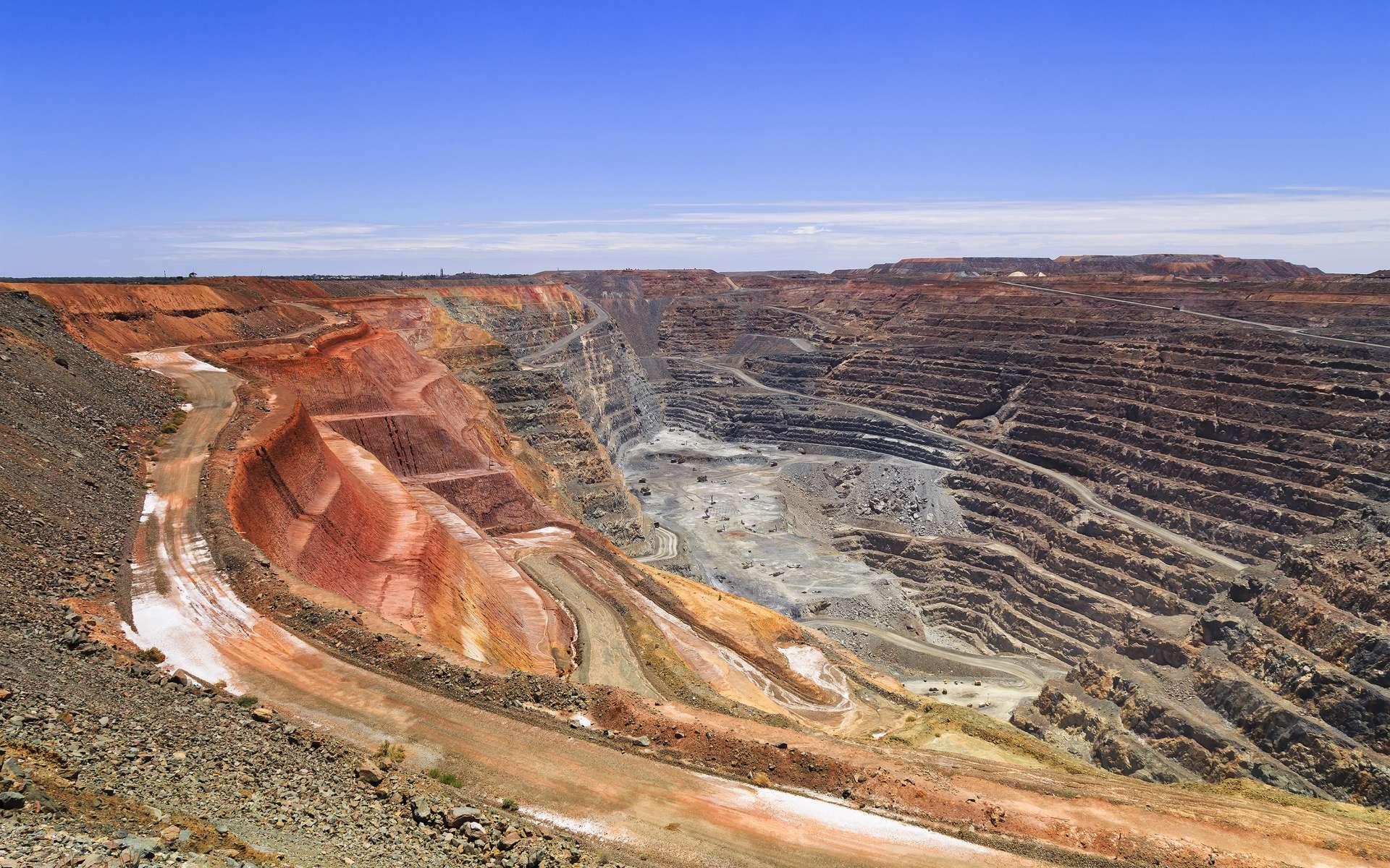 La mine d'or à ciel ouvert Super Pit, à Kargoorlie, en Australie Occidentale. © Taras Vyshnya, Adobe Stock