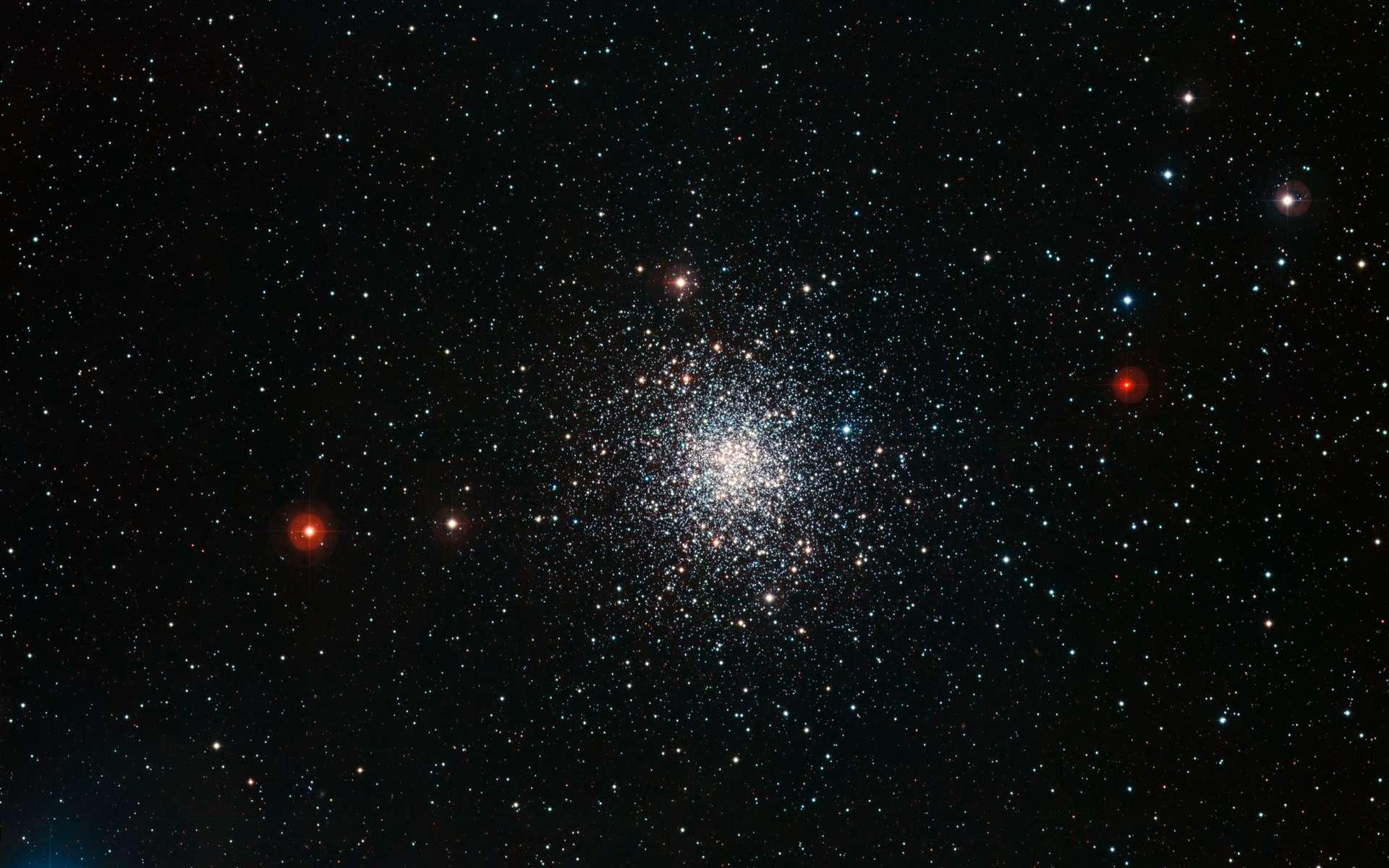 La constellation d'Ophiuchus abrite le magnifique amas globulaire M 107. © ESO/ESO Imaging Survey
